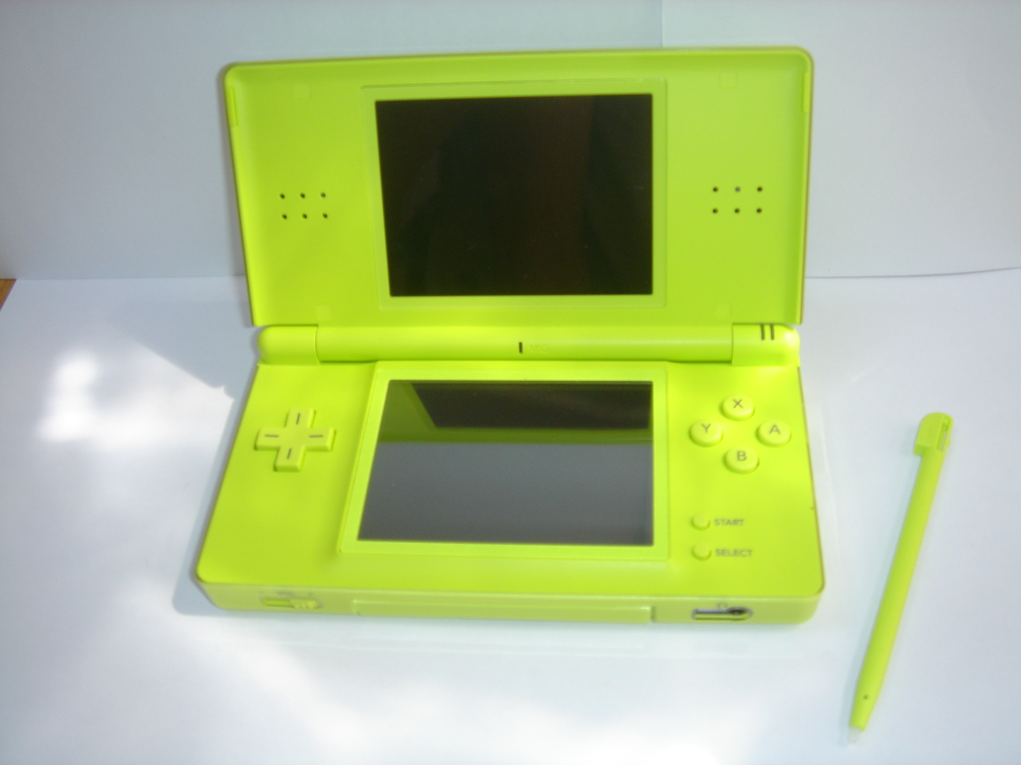 Description Nitendo DS Lite Verte.JPG