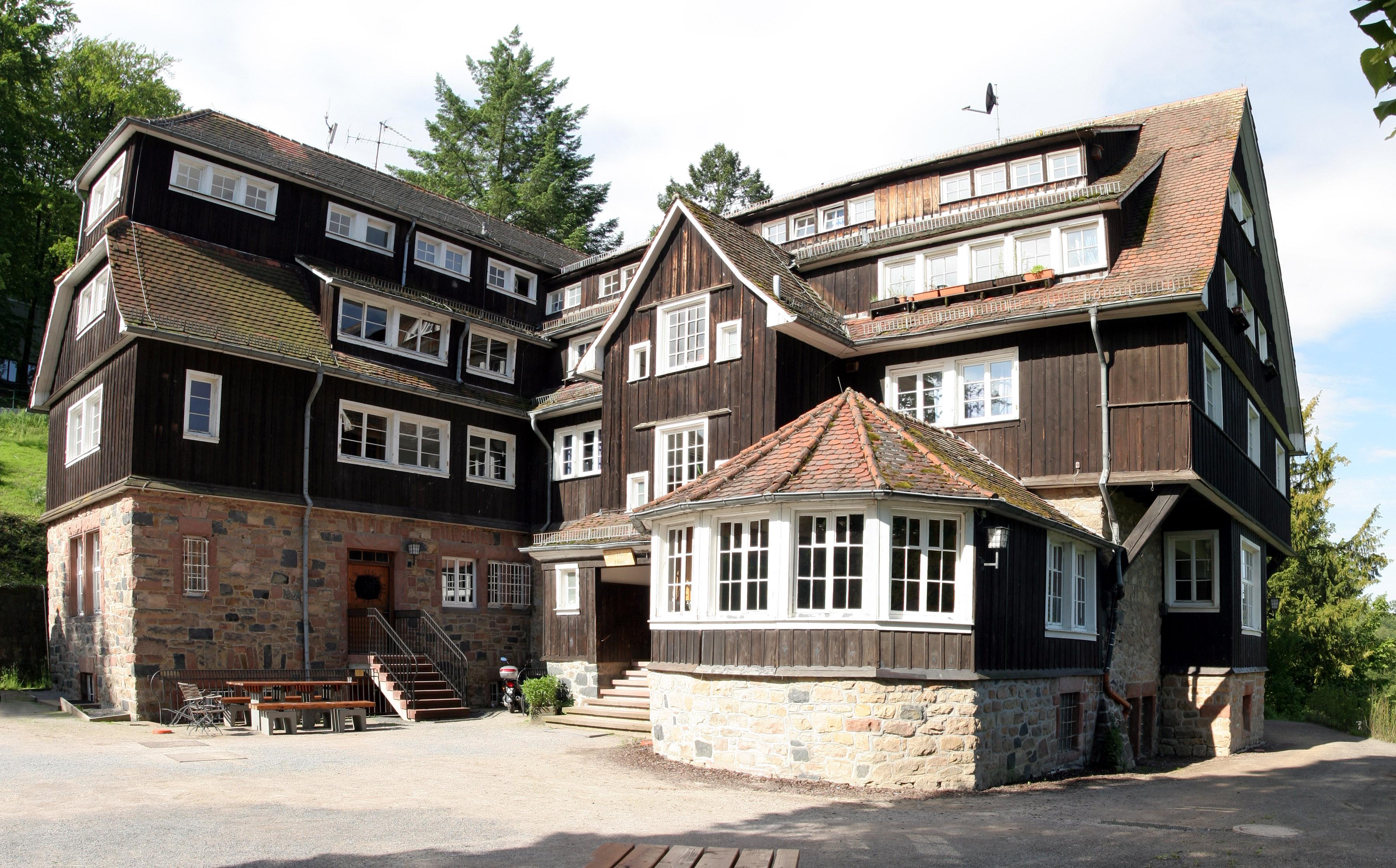 File:Odenwaldschule Goethehaus 01.jpg - Wikimedia Commons: commons.wikimedia.org/wiki/file:odenwaldschule_goethehaus_01.jpg