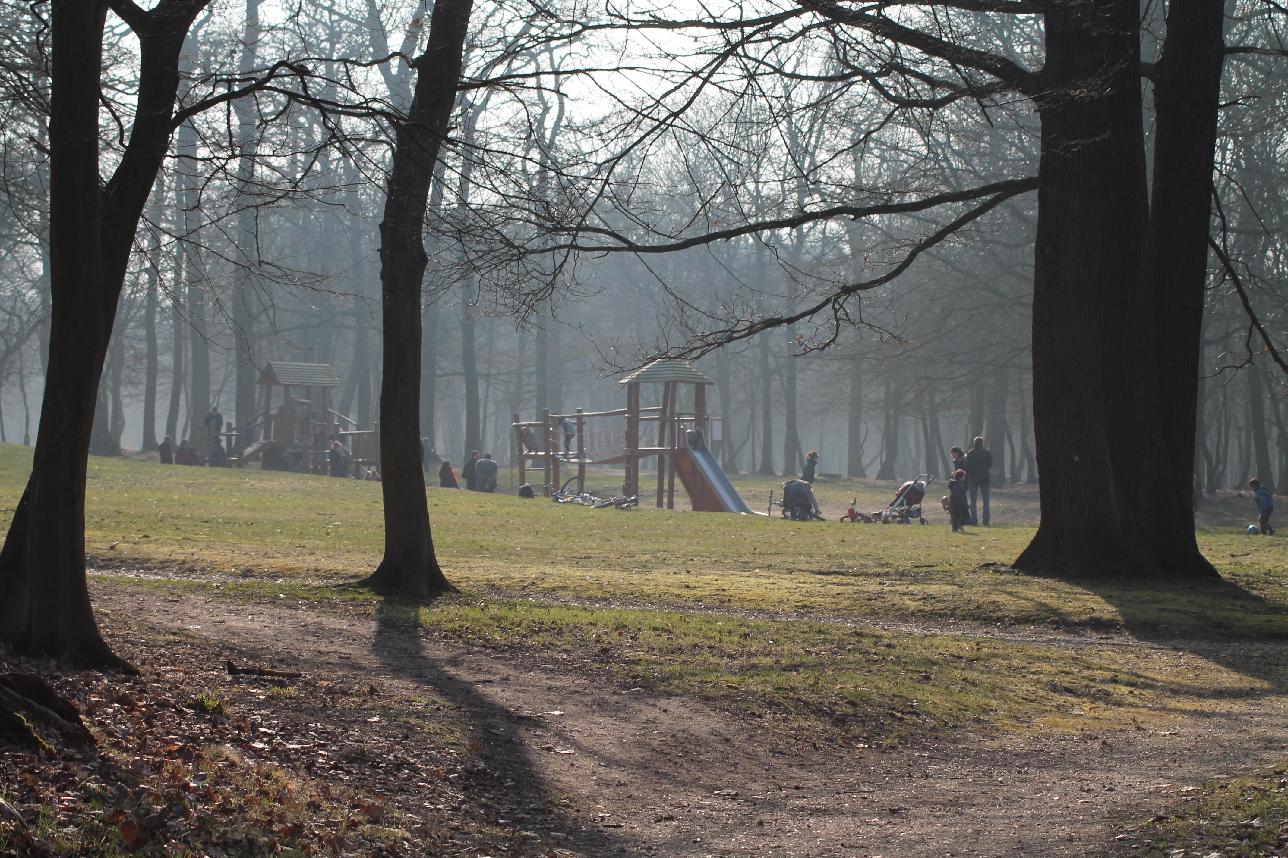 File parc de la charmille poissy yvelines jpg for Parc enfant yvelines