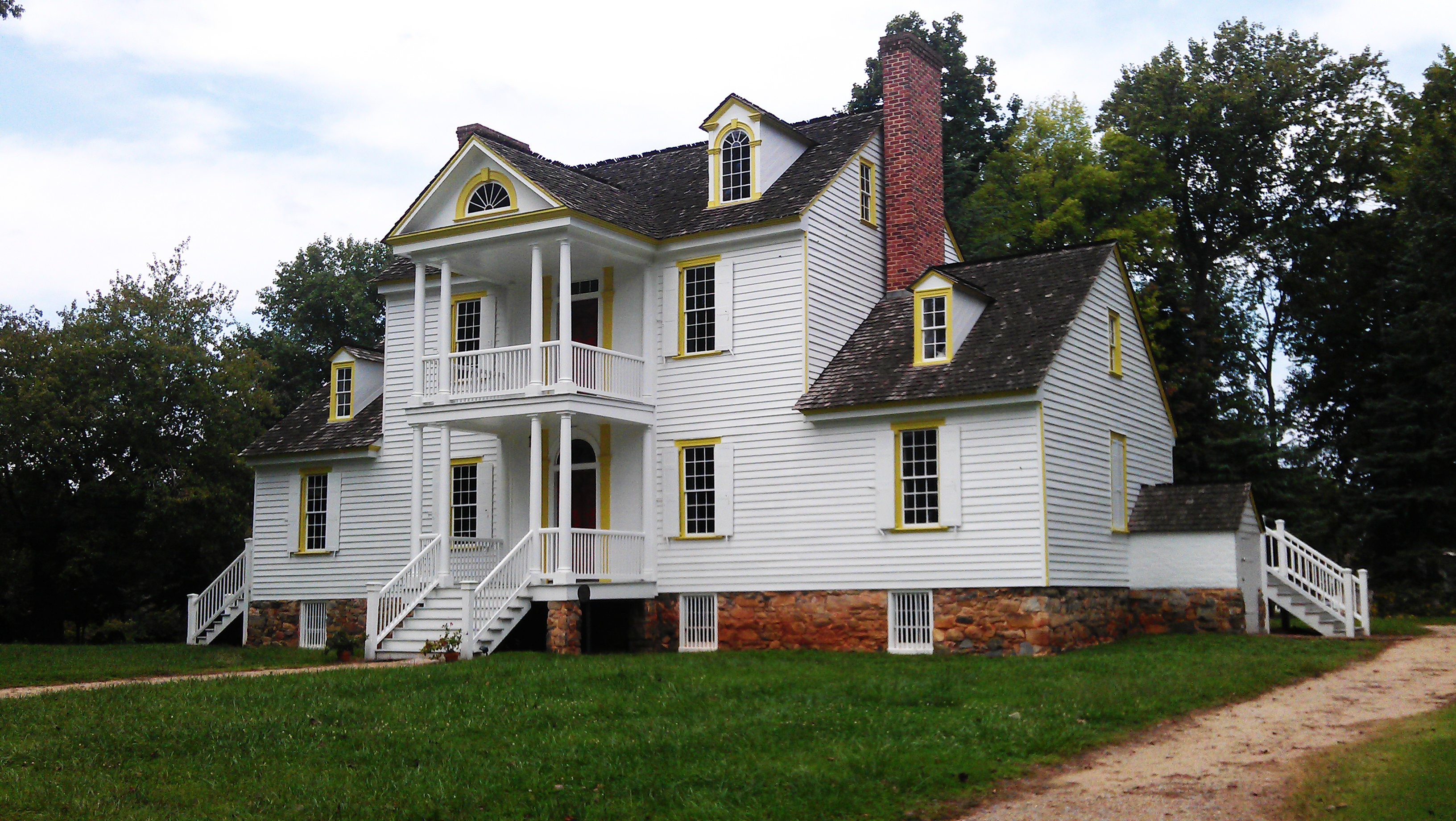 Rosedale Plantation House from driveway.jpg