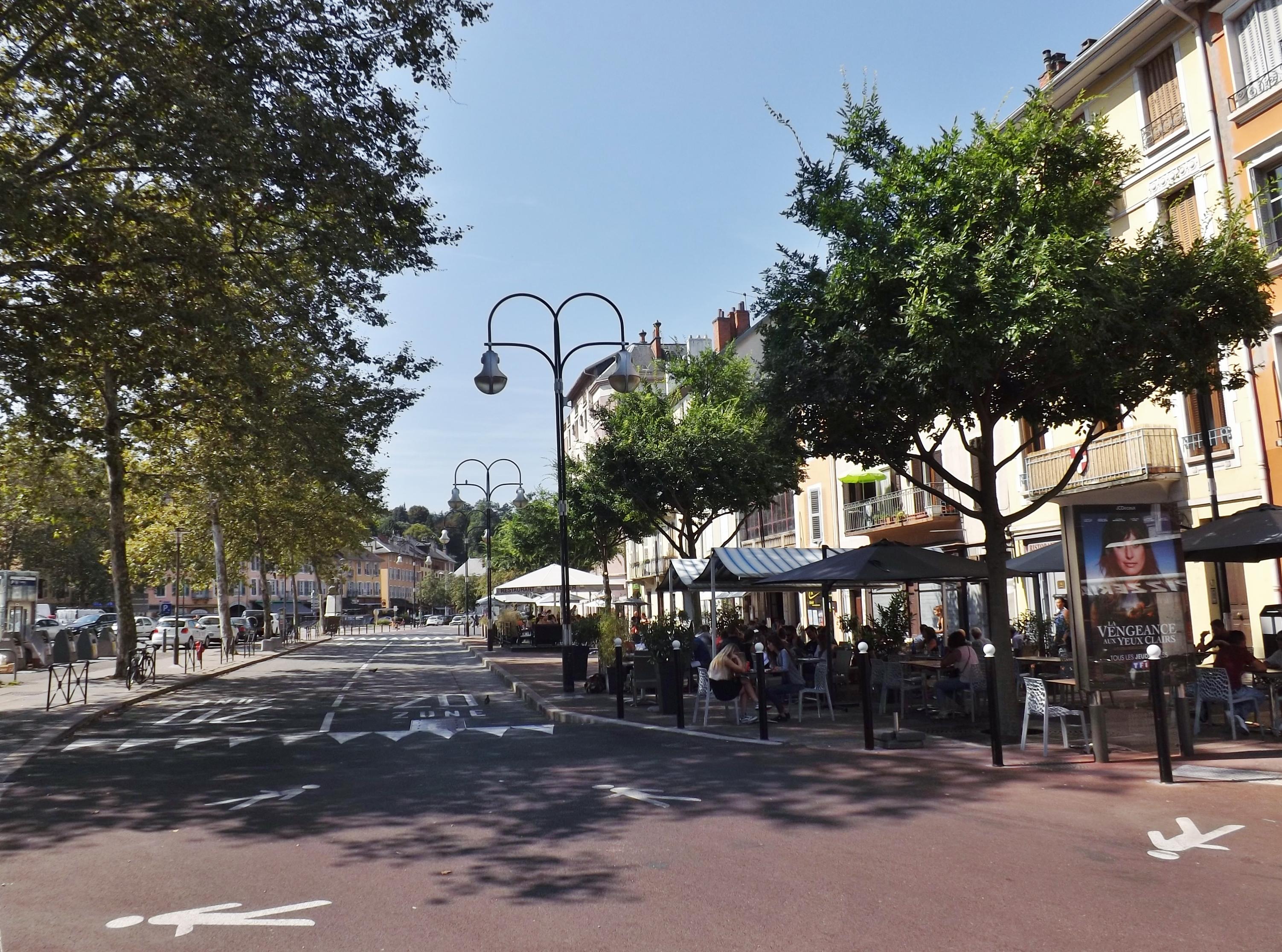 Rue Curial  Ville Paris