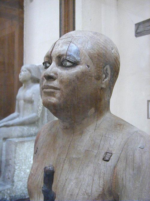 El Alcalde del Pueblo, escultura de madera e incrustaciones  Sheik-el-Beled