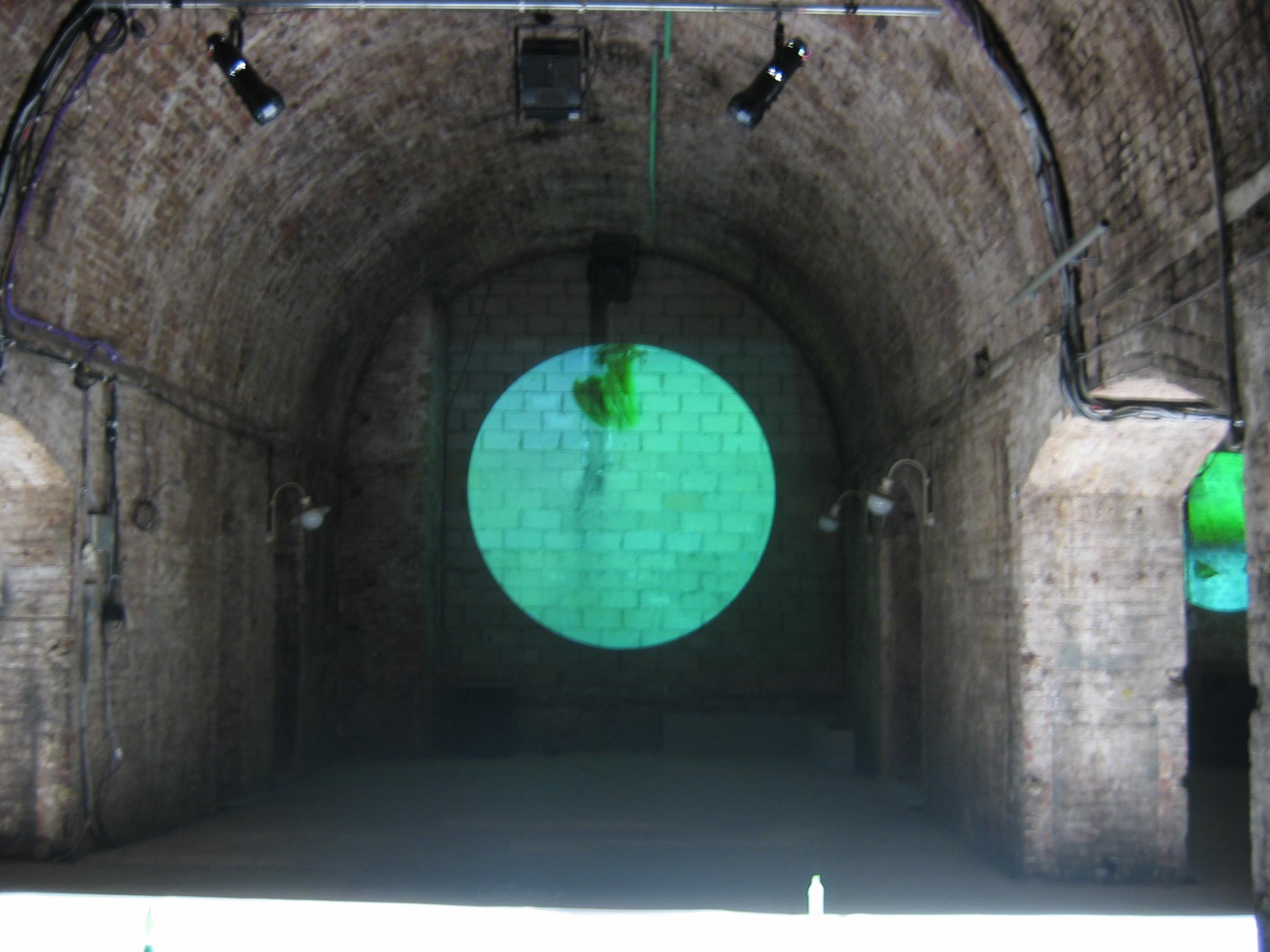 Shunt vaults alcove