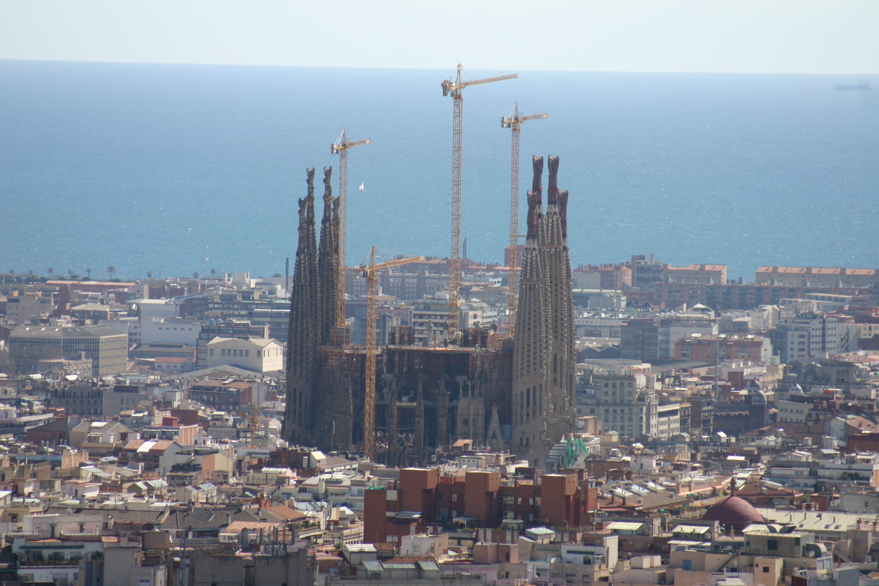 File spain catalonia barcelona vista sagrada for La sagrada familia en barcelona
