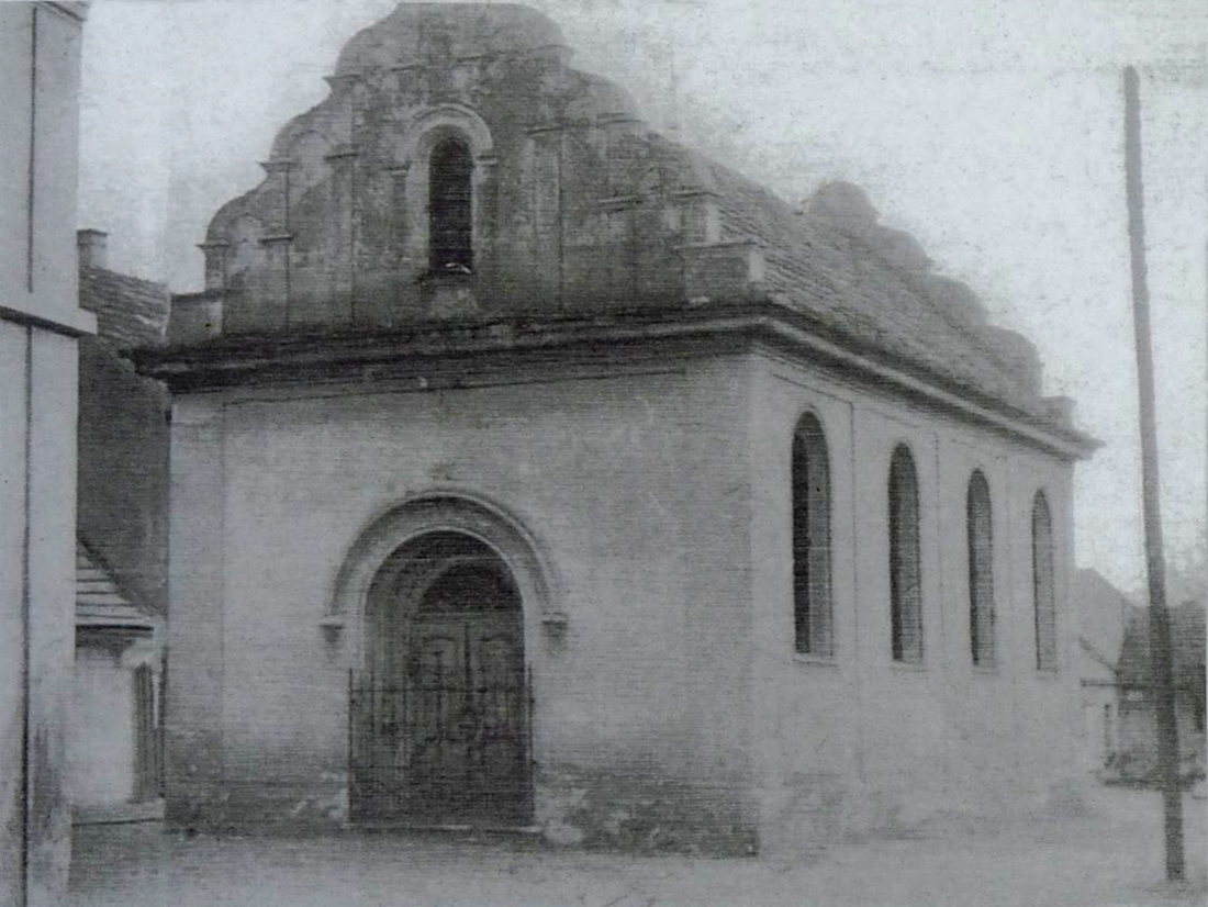 Synagoga Kostelec nad Labem - foto 02.jpg