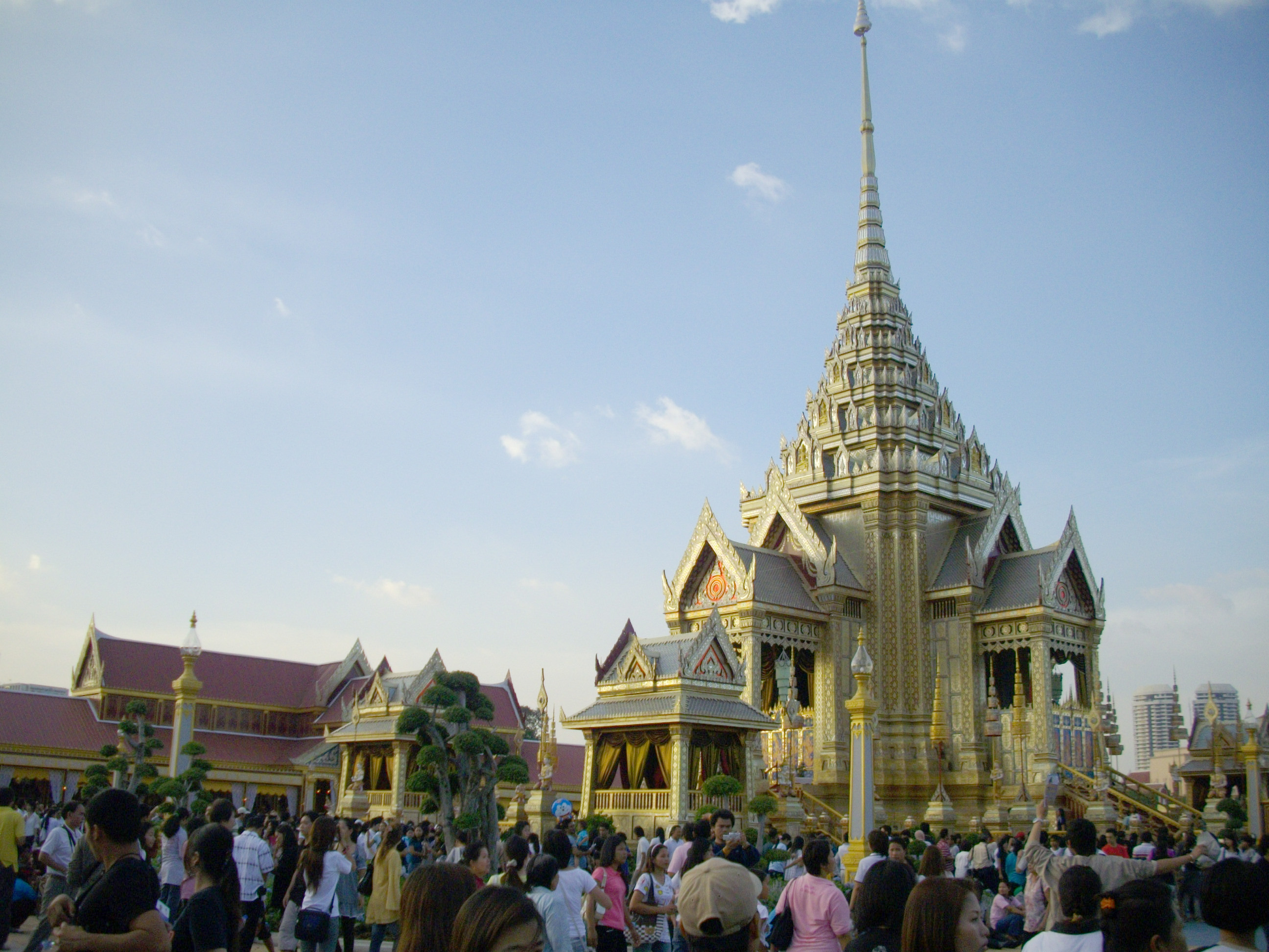 Mount Meru Magnetic Mountain At The North Pole The_Royal_Crematorium_of_Princess_Galyani_at_Sanam_Luang_(6)