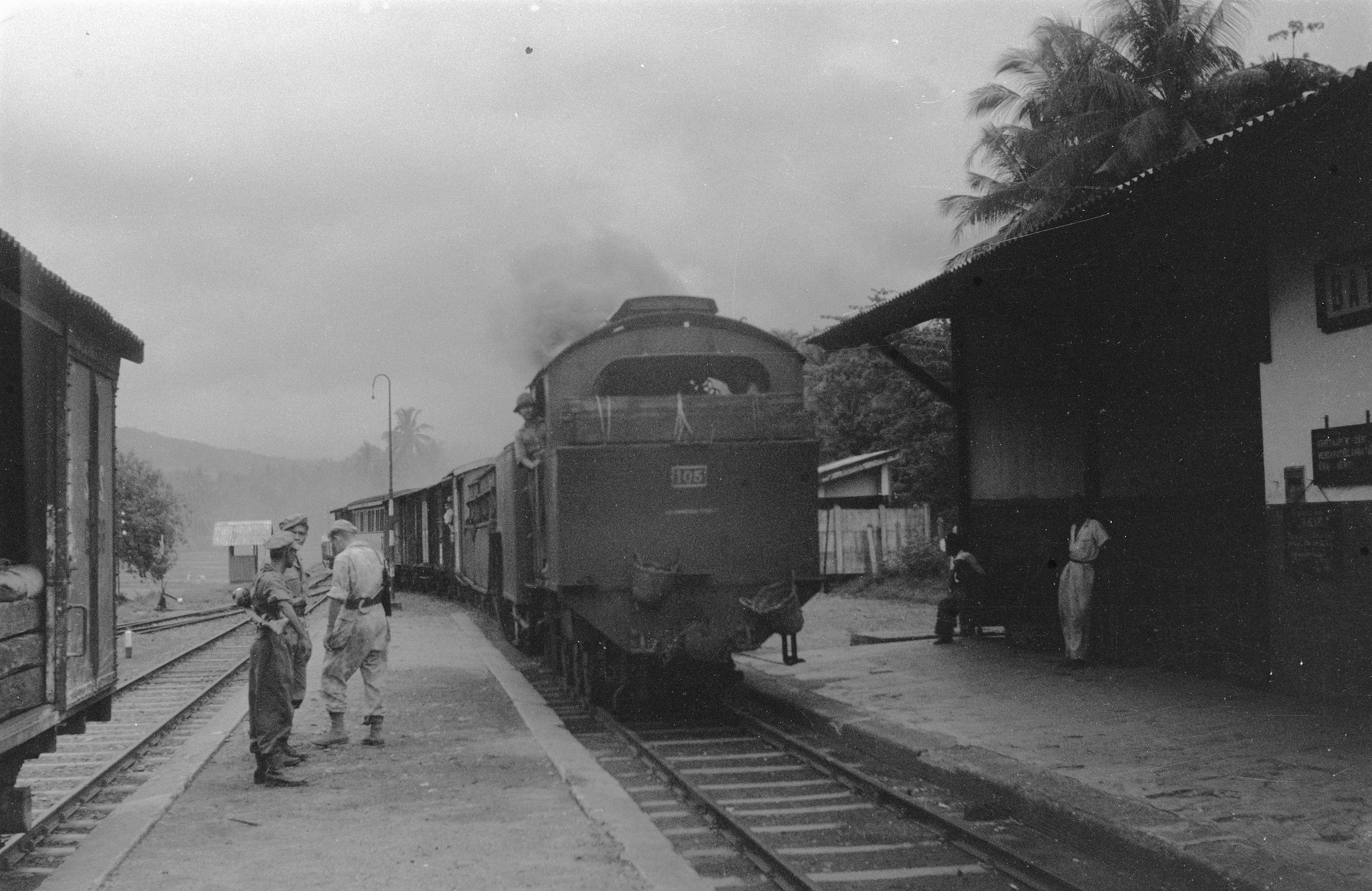 Gambar Kereta Api Thomas Hitam Putih Stasiun Batu Tabal Wikipedia Bahasa Indonesia Ensiklopedia Bebas