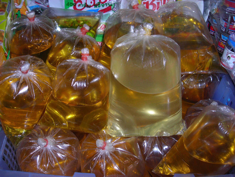 Plastic bag history - File Vegetable Oil In Plastic Bags For Sale Thailand Jpg