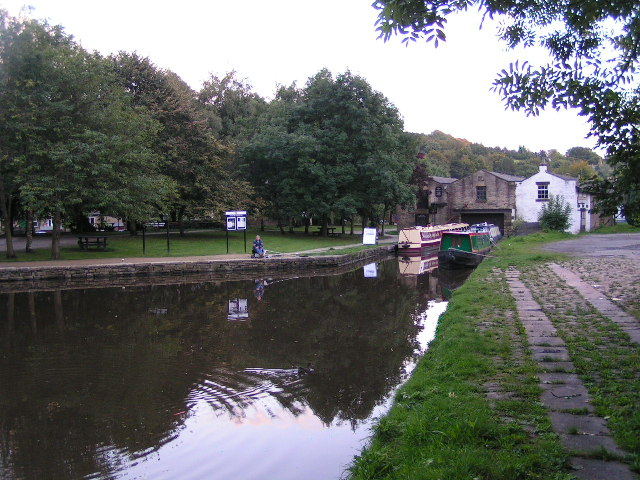Whaley Bridge Canal Basin, Peak Forest Canal - geograph.org.uk - 54067