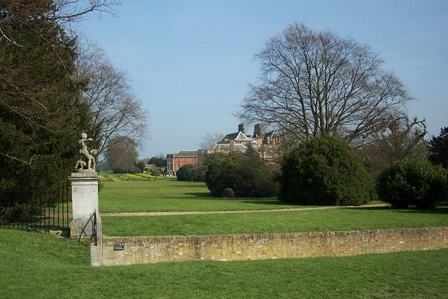 Wimpole Hall - geograph.org.uk - 402669