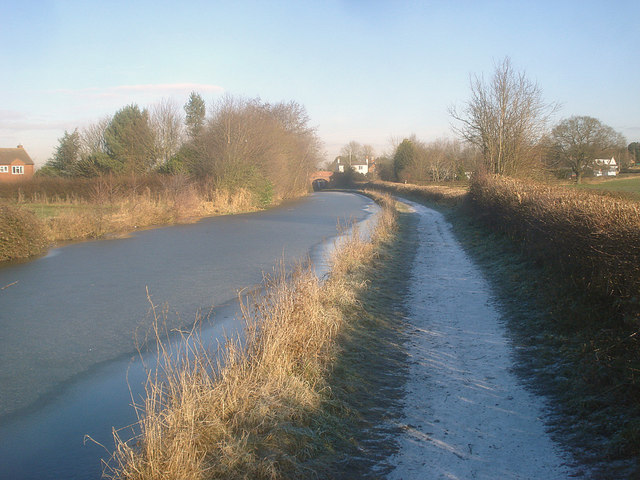 Worcester and Birmingham Canal south of Stoke Pound - geograph.org.uk - 1347819