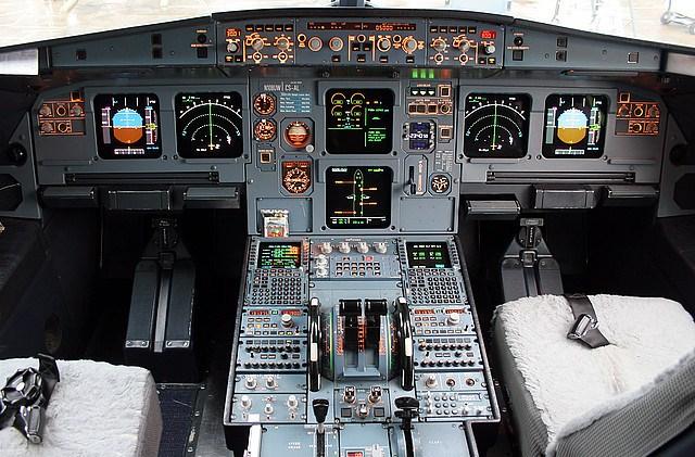Кабина пилотов Airbus A319