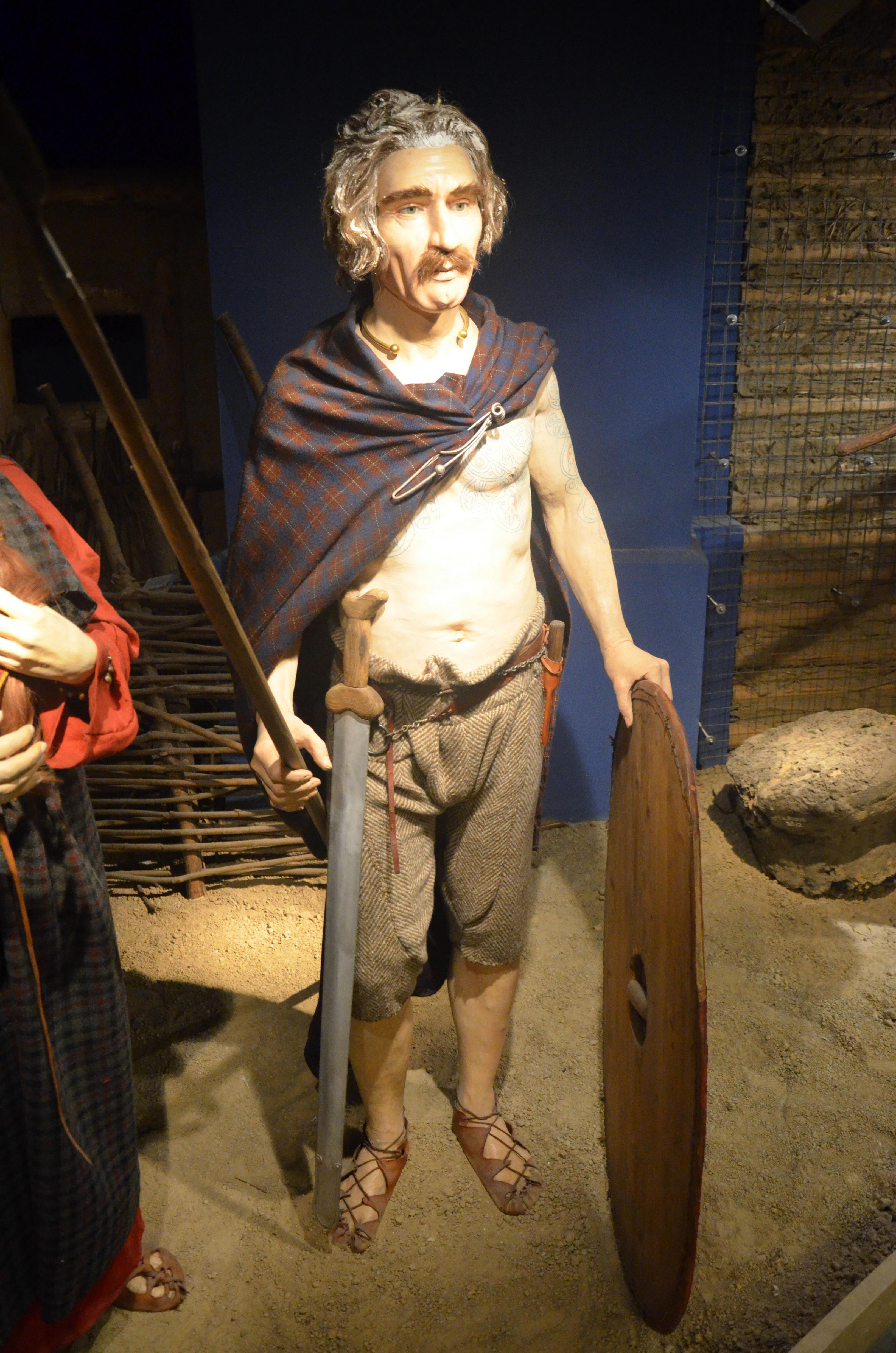 Life in Celtic Ireland Men Clothing