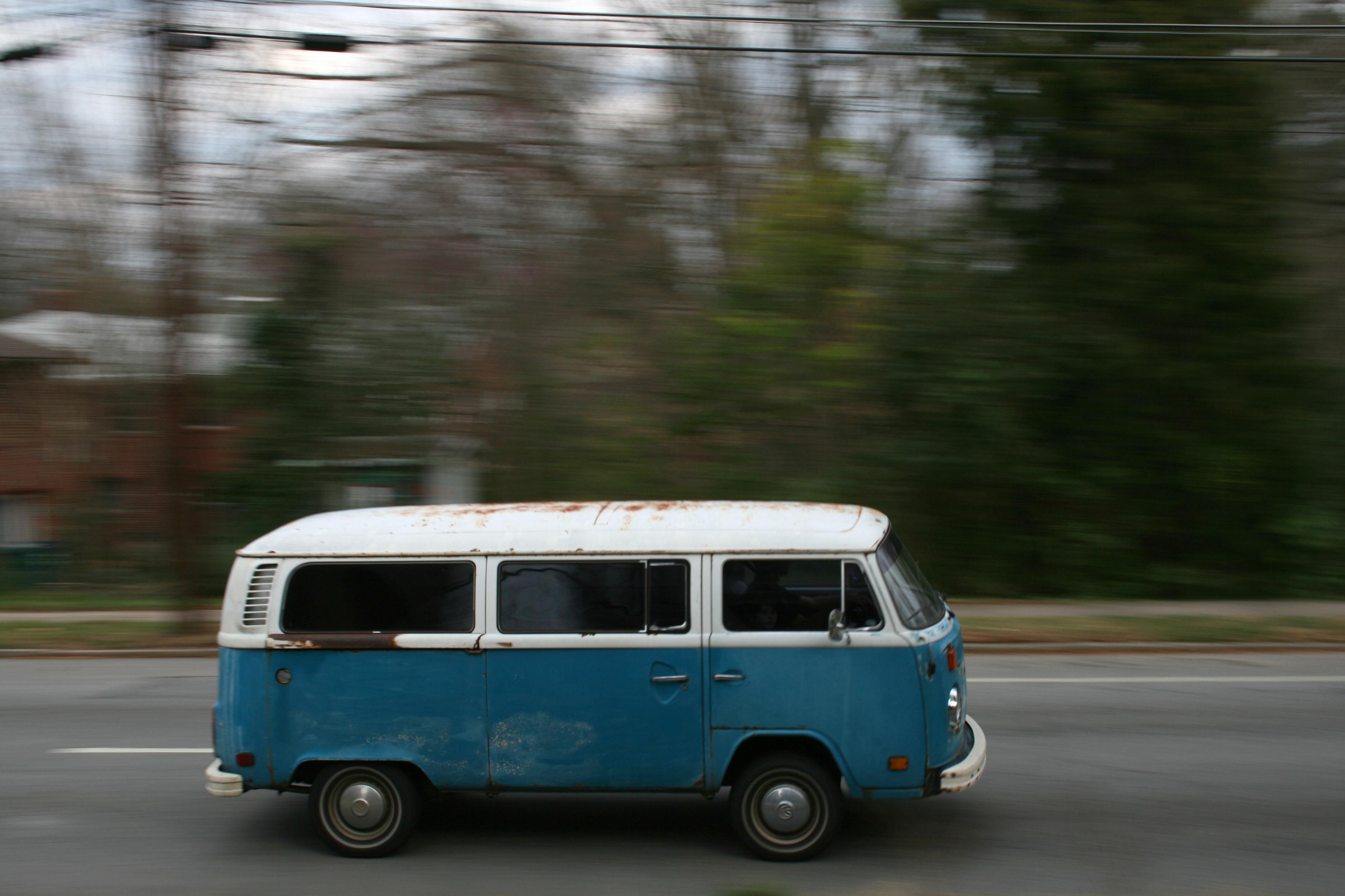File 2009 03 11 Vw Van On N Gregson St In Durham Jpg