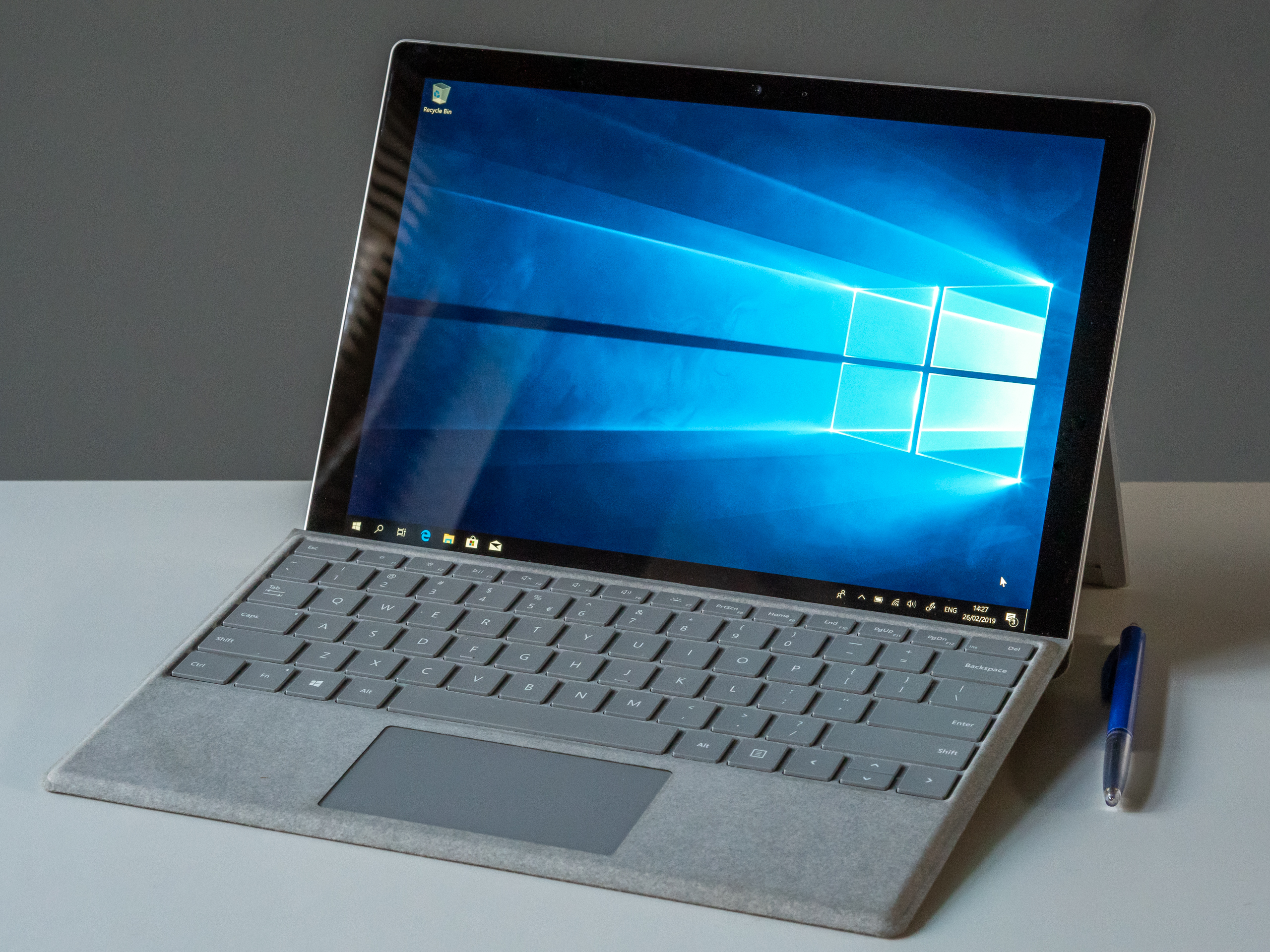 File:2019 02 Microsoft Surface Pro 2017 with signature type