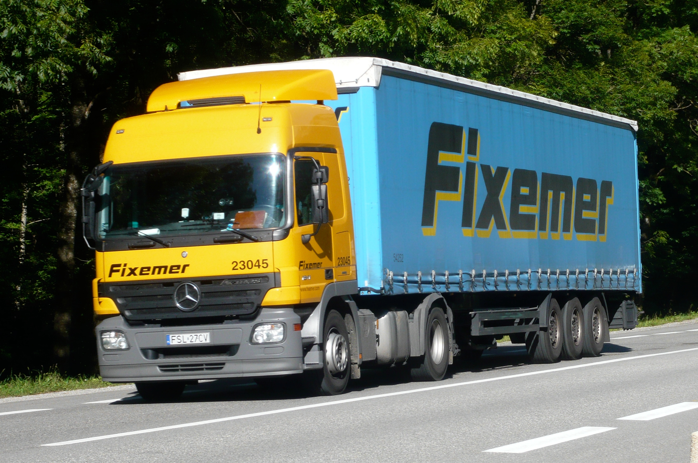 Large goods vehicle - Wikipedia