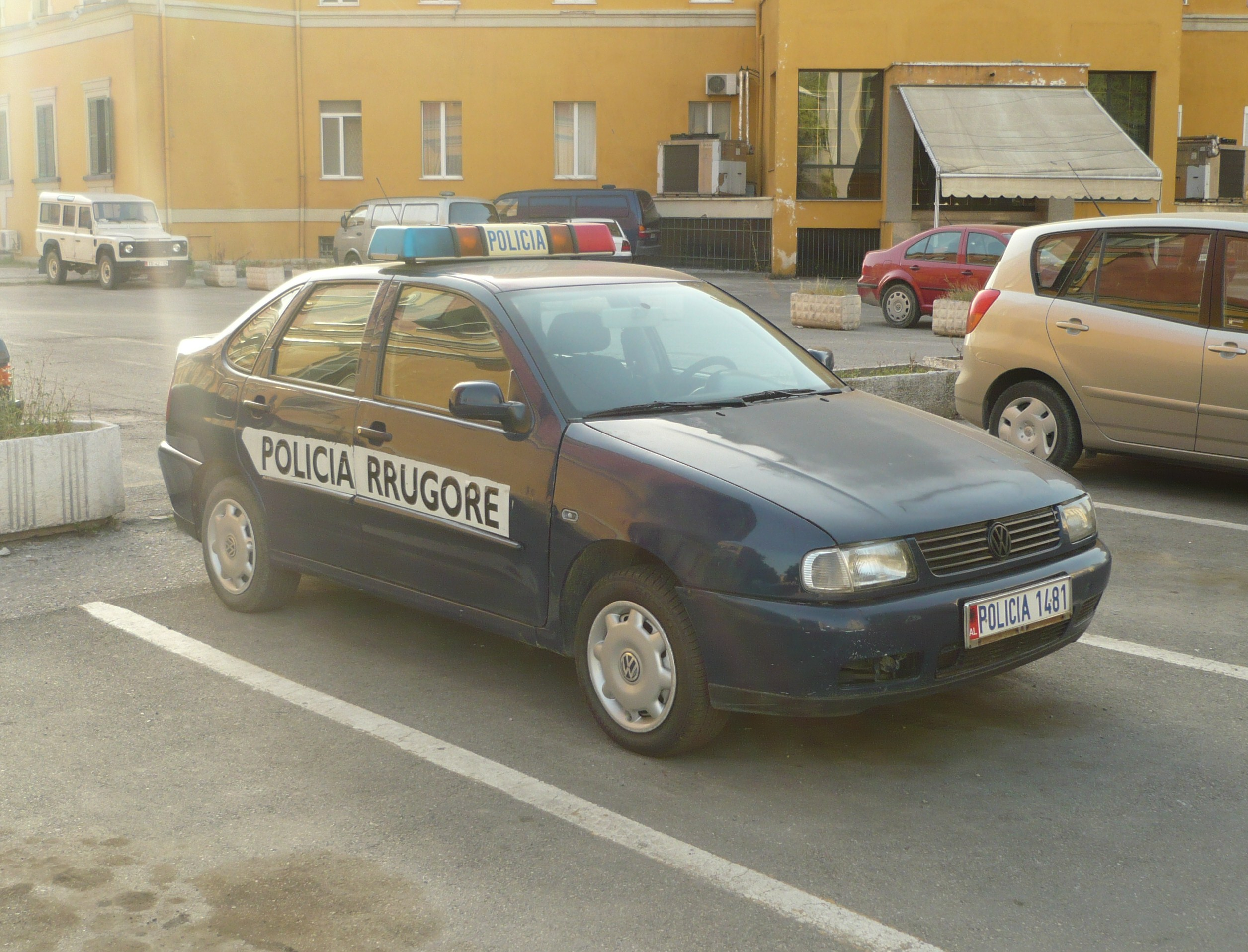file albanian police car jpg   wikimedia commons