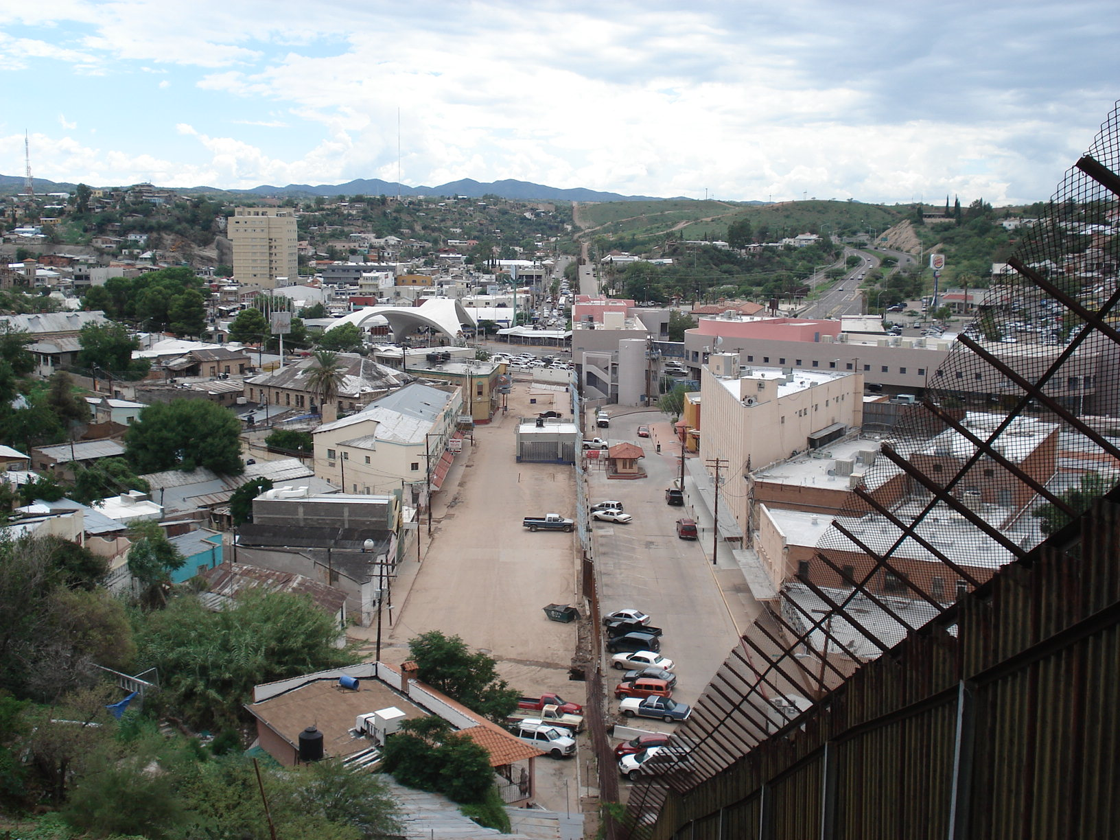 Nogales (AZ) United States  city pictures gallery : Nogales AZ picture: Ambos Nogales circa 2008 JPG