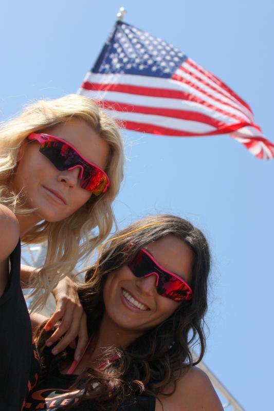 c988c77ce9815 File American flag and Oakley sunglasses.jpg - Wikimedia Commons