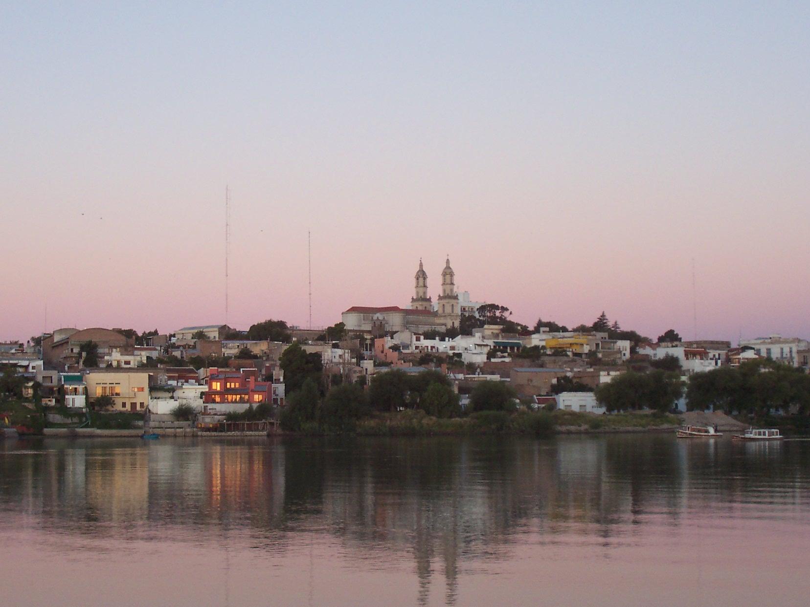 Vista de Patagones al atardecer, By Medra