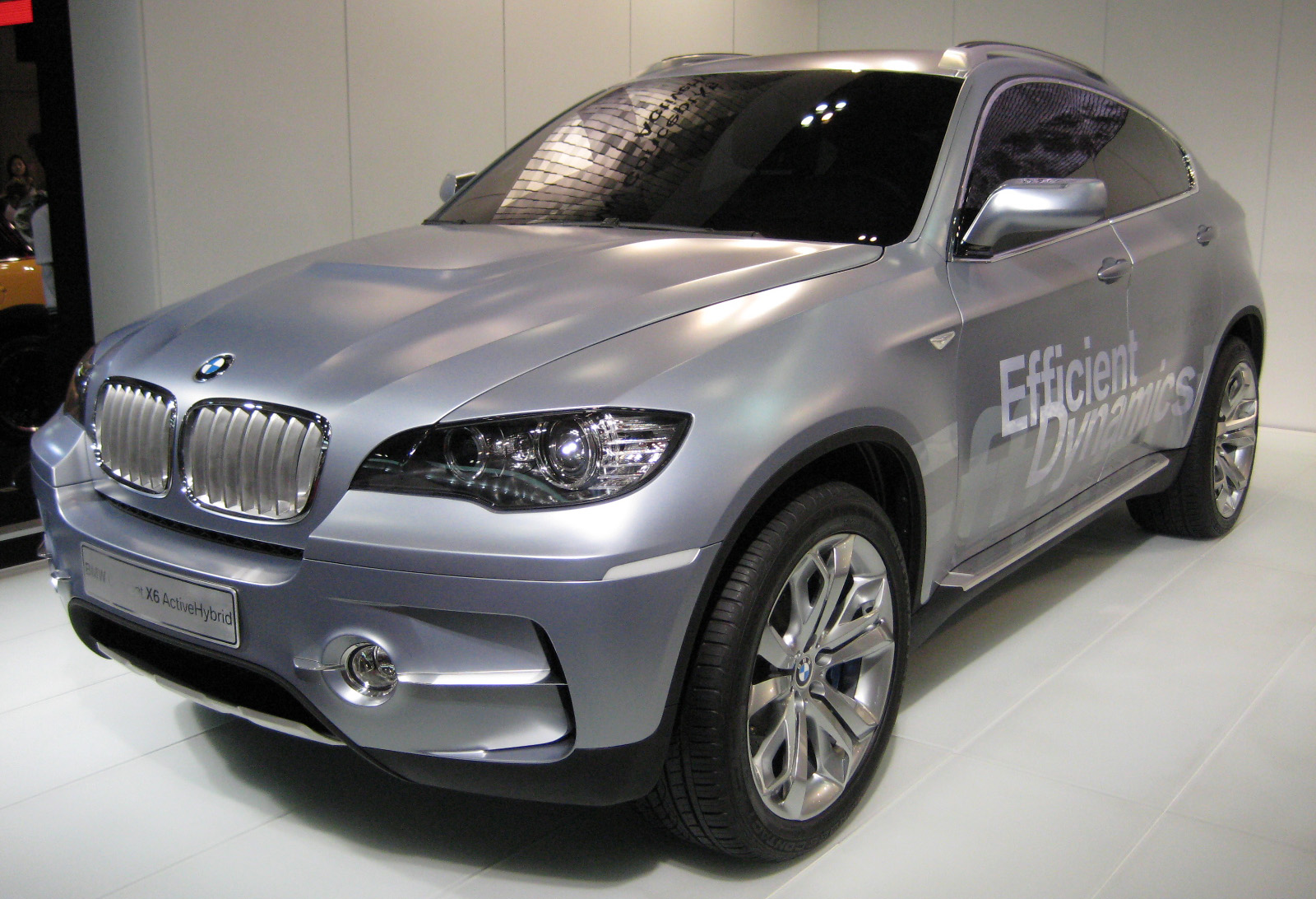 File:BMW Concept X6 Active Hybrid 01.JPG - Wikimedia Commons