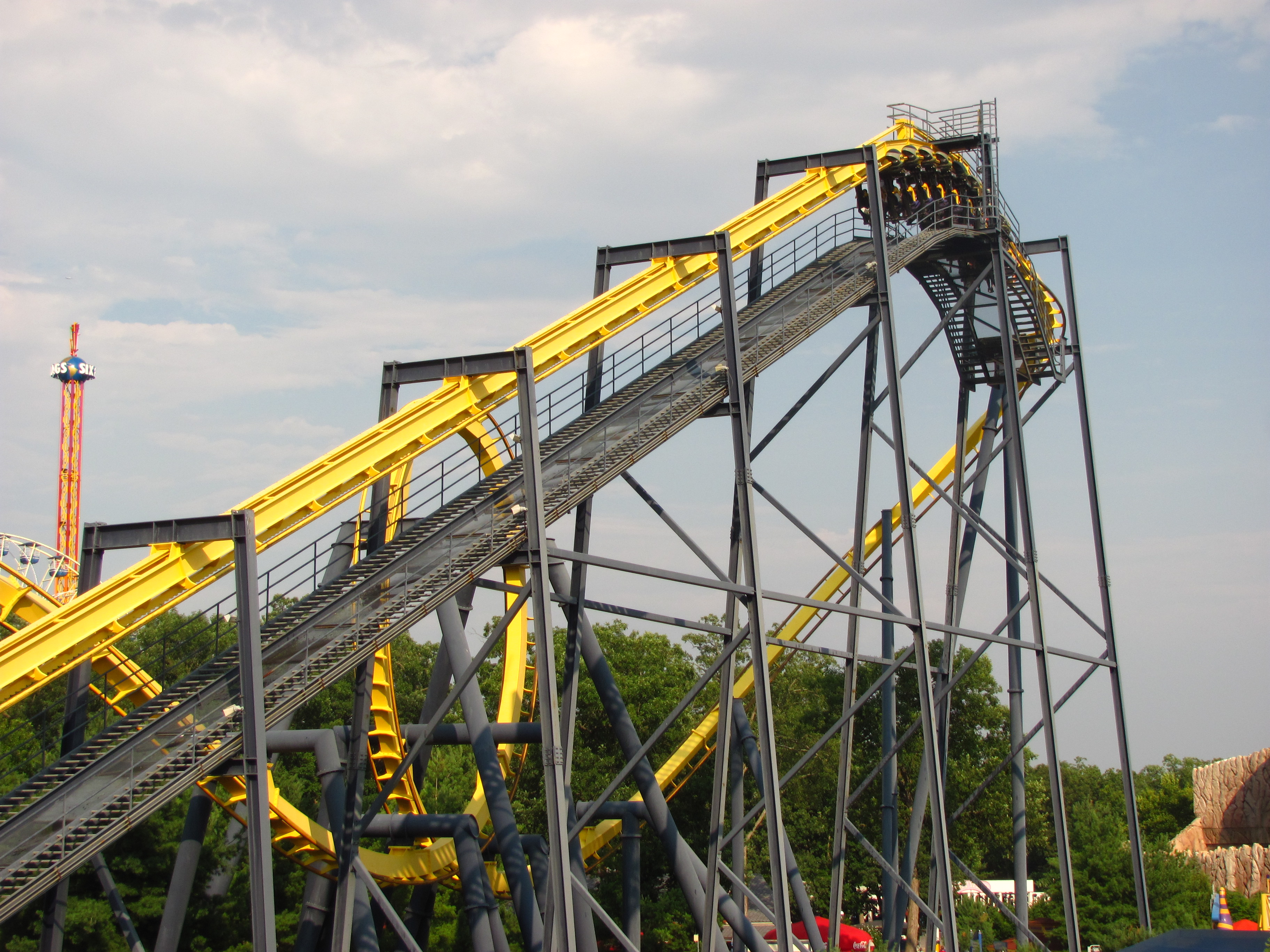 Batman_The_Ride_at_Six_Flags_Great_Adven