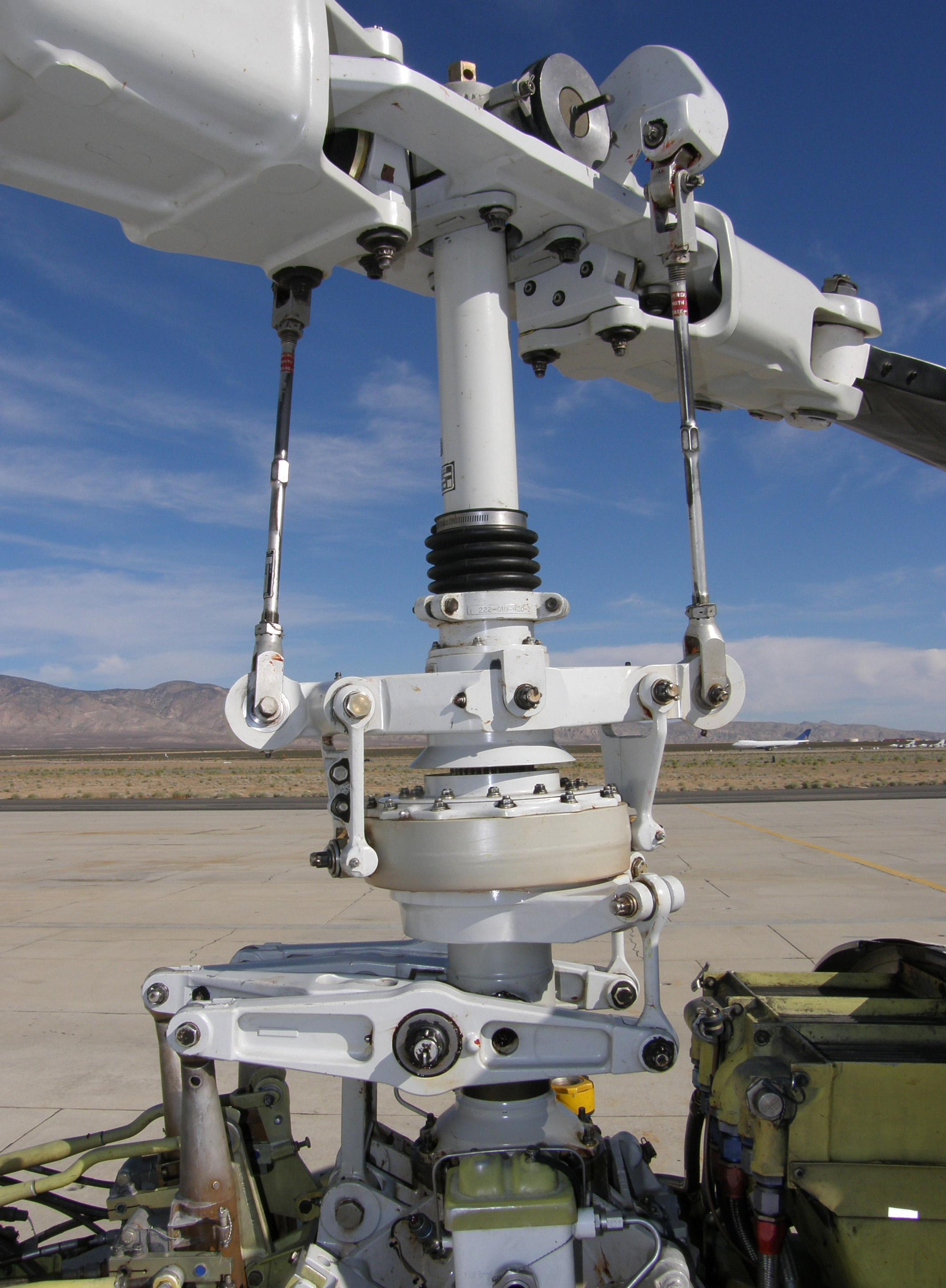 File:Bht222U rotorhead aradecki.jpg - Wikimedia Commons