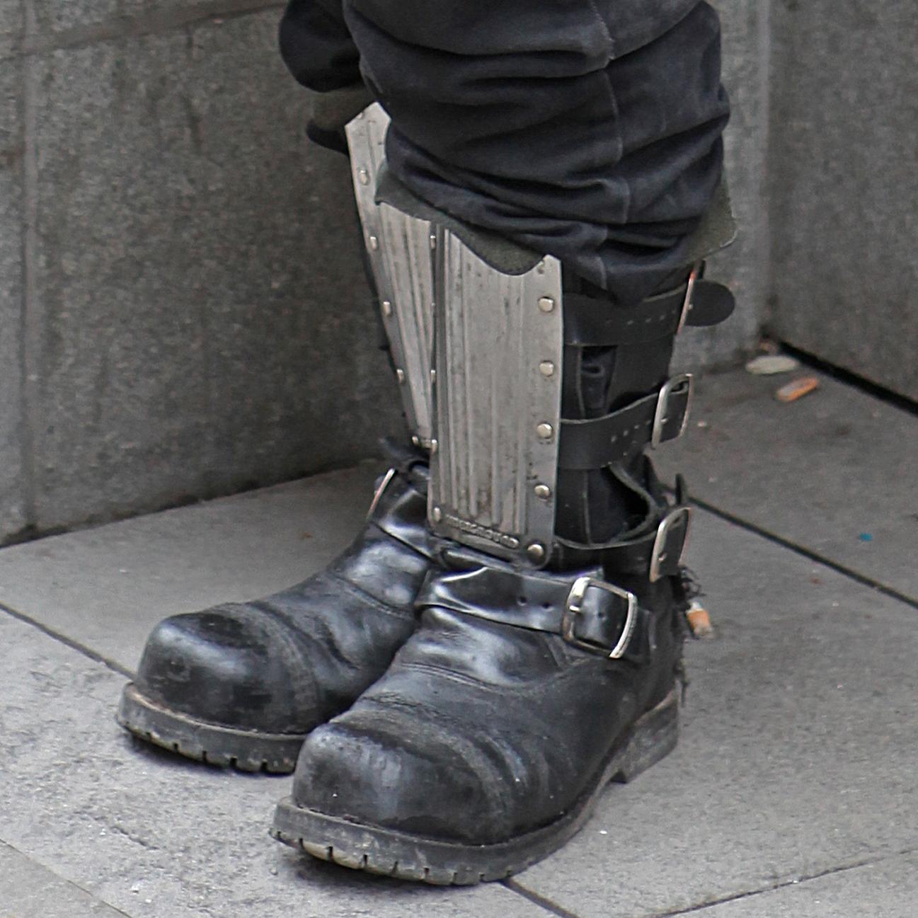 File:Black boots.jpg - Wikimedia Commons