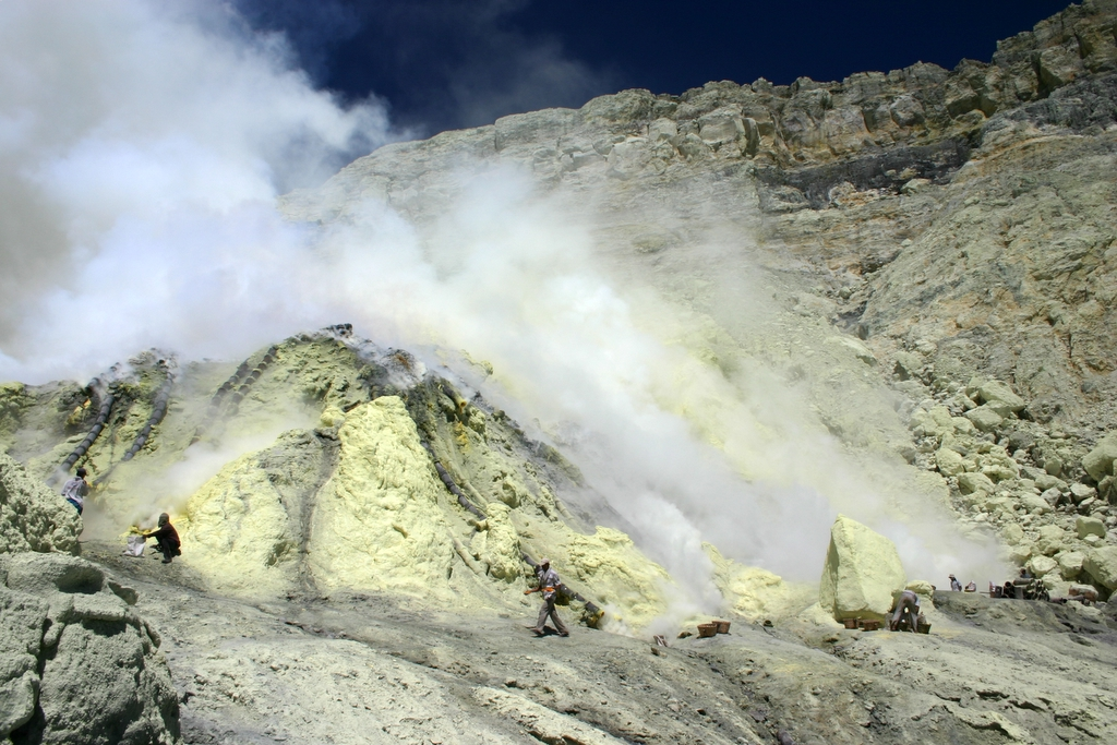 Blethrow Ijen1.JPG