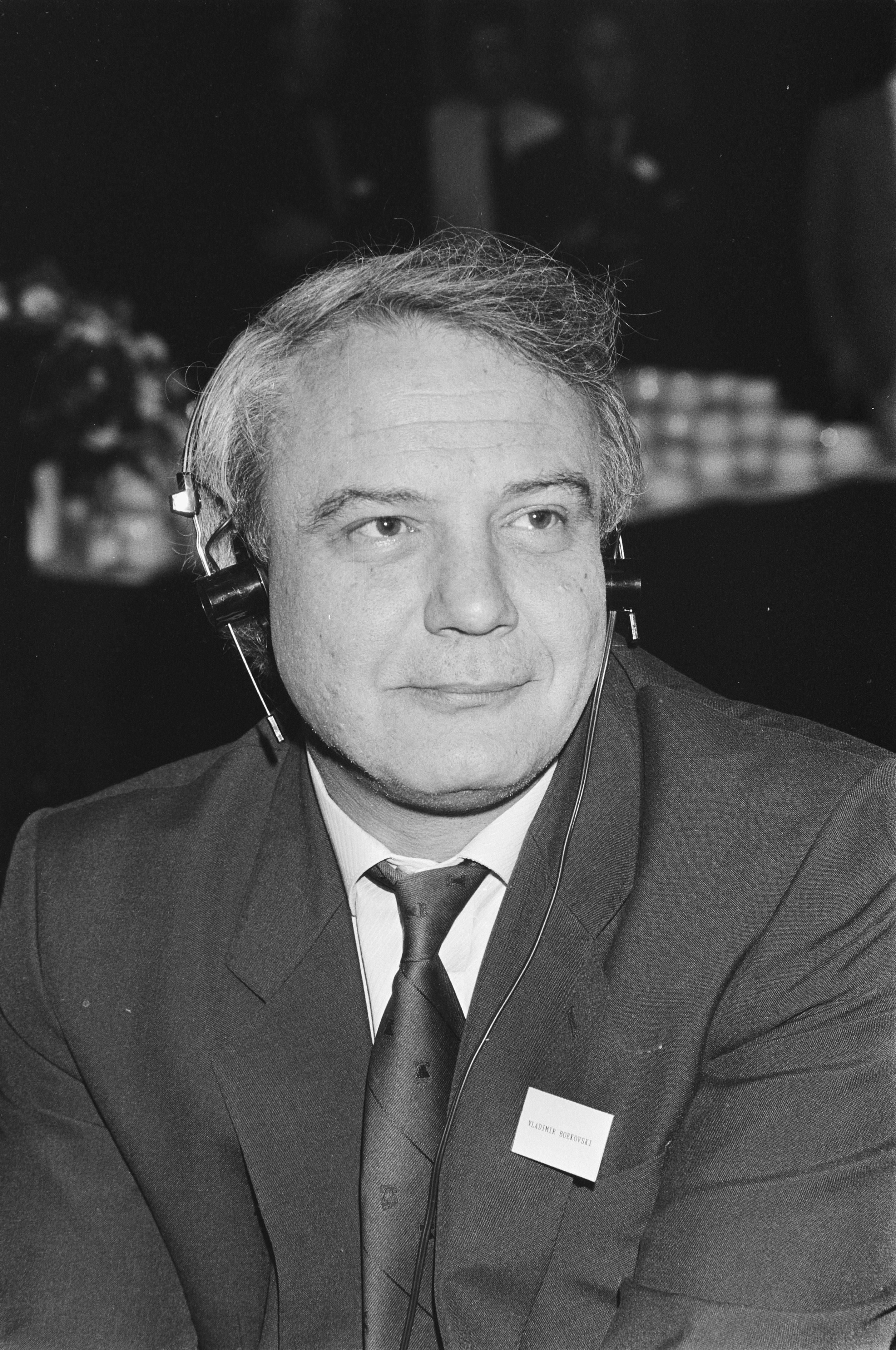 Vladimir Bukovsky - Wikipedia