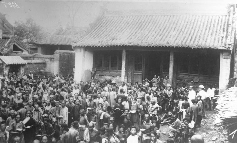File:Bundesarchiv Bild 102-12231, China, Überschwemmungsopfer.jpg
