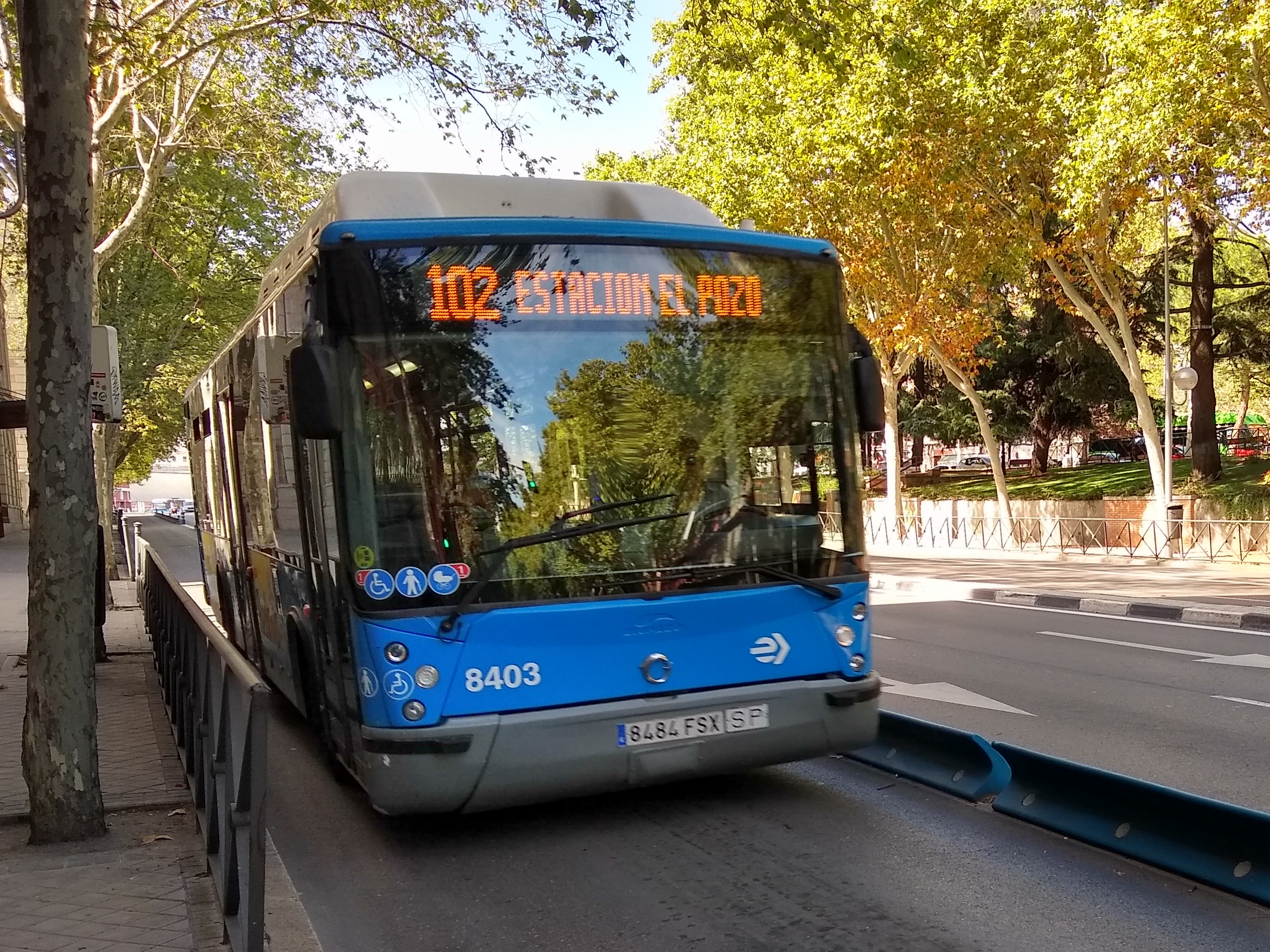 Imágenes numeradas - Página 3 Bus_l%C3%ADnea_102_EMT_Madrid