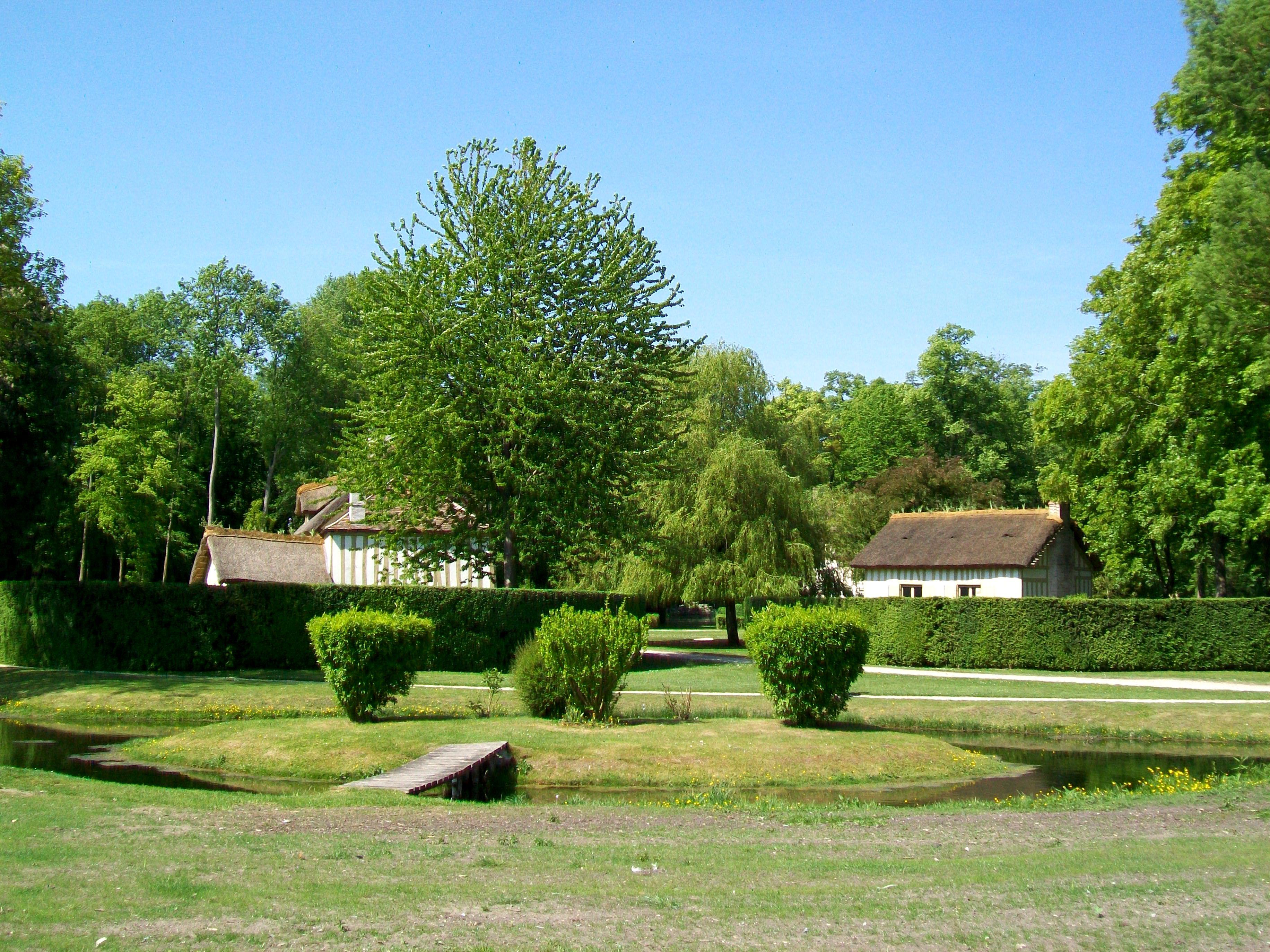 File Ch¢teau de Chantilly jardin anglo chinois le hameau une