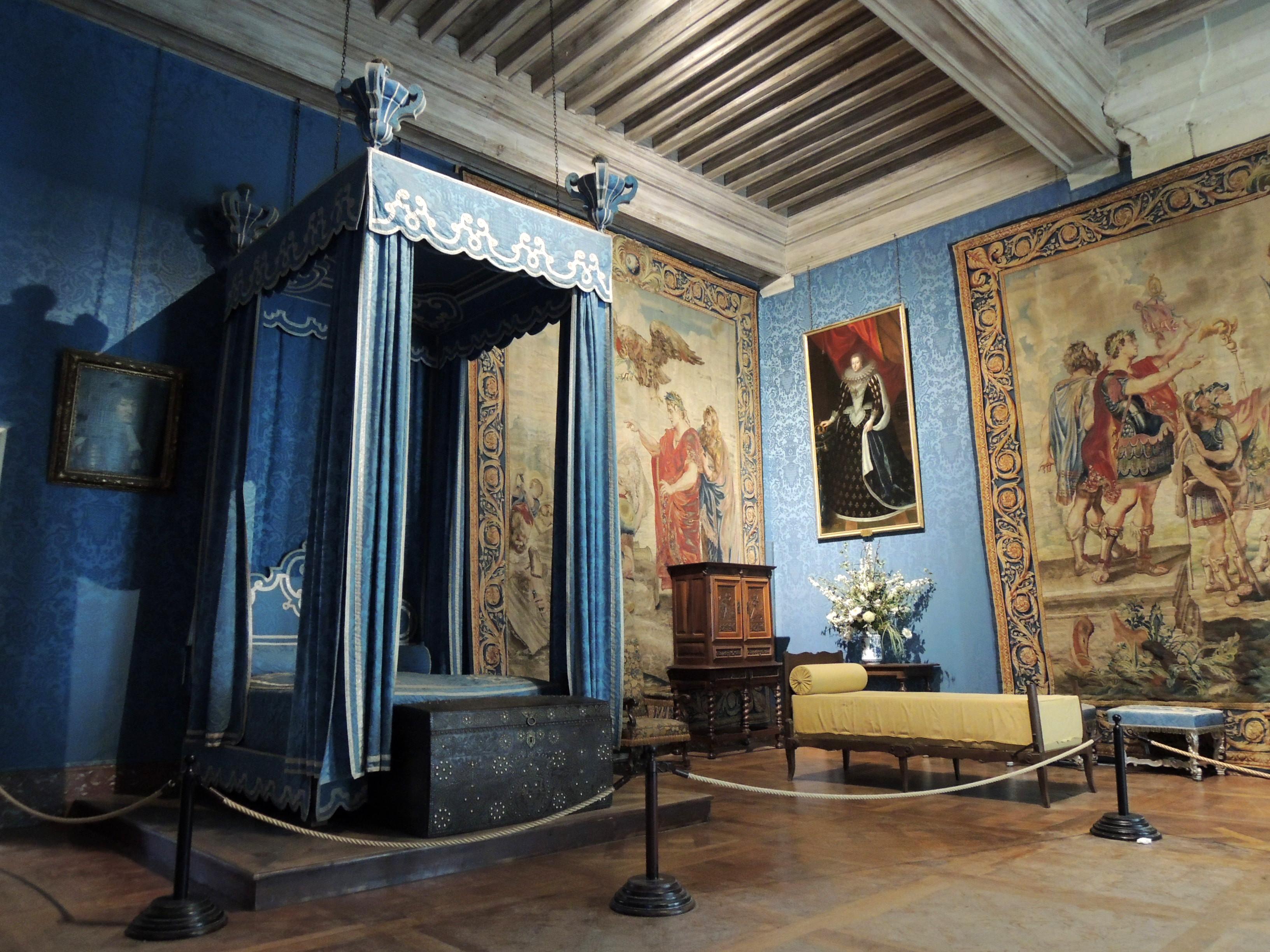 File chambord chambre de la reine jpg wikimedia commons for Chambre de la reine