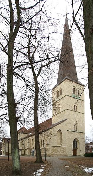 File:Duelmen viktorkirche 2005 11 11.jpg