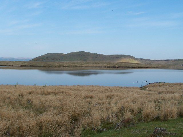 Dunrod Hill and Loch Thom - geograph.org.uk - 174030