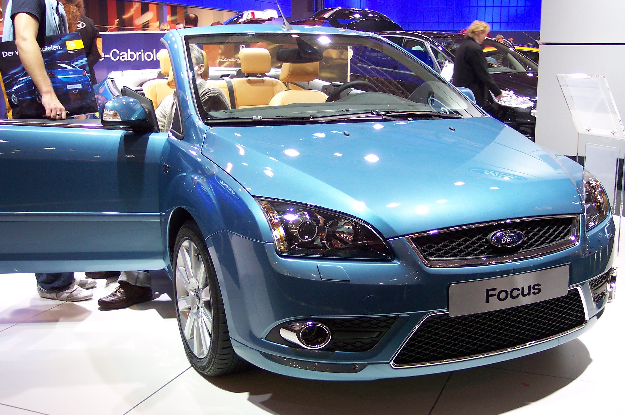 file ford focus cabrio blue vr wikimedia commons. Black Bedroom Furniture Sets. Home Design Ideas