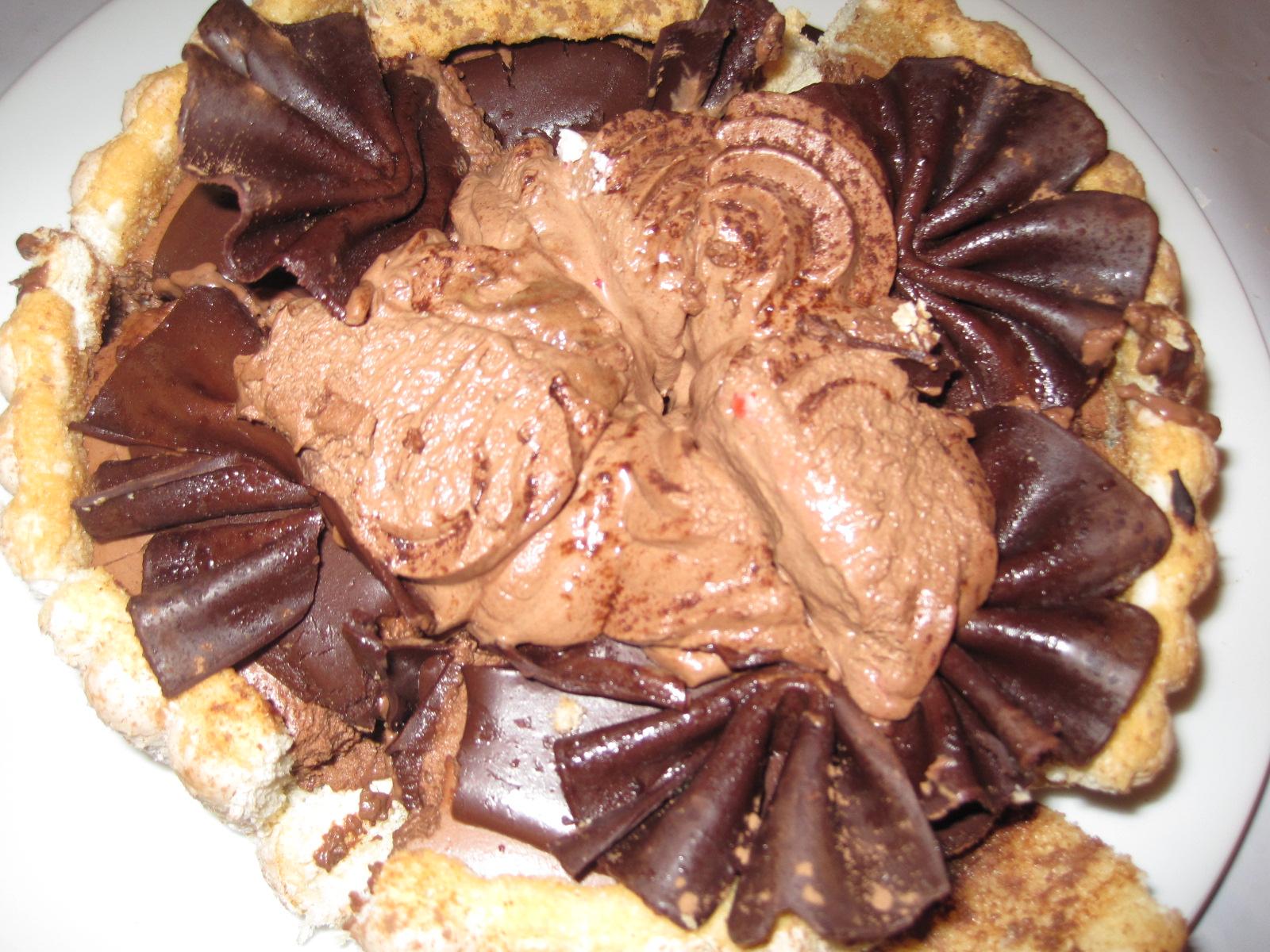 Gateau Au Chocolat Decorer A La Creme Chantilly
