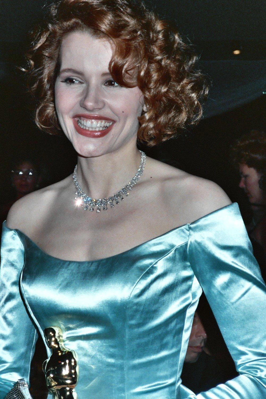 File Geena Davis At 1989 Academy Awards Jpg Wikimedia