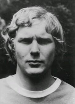 Archivo: Gerd Kische Copa 1974.jpg