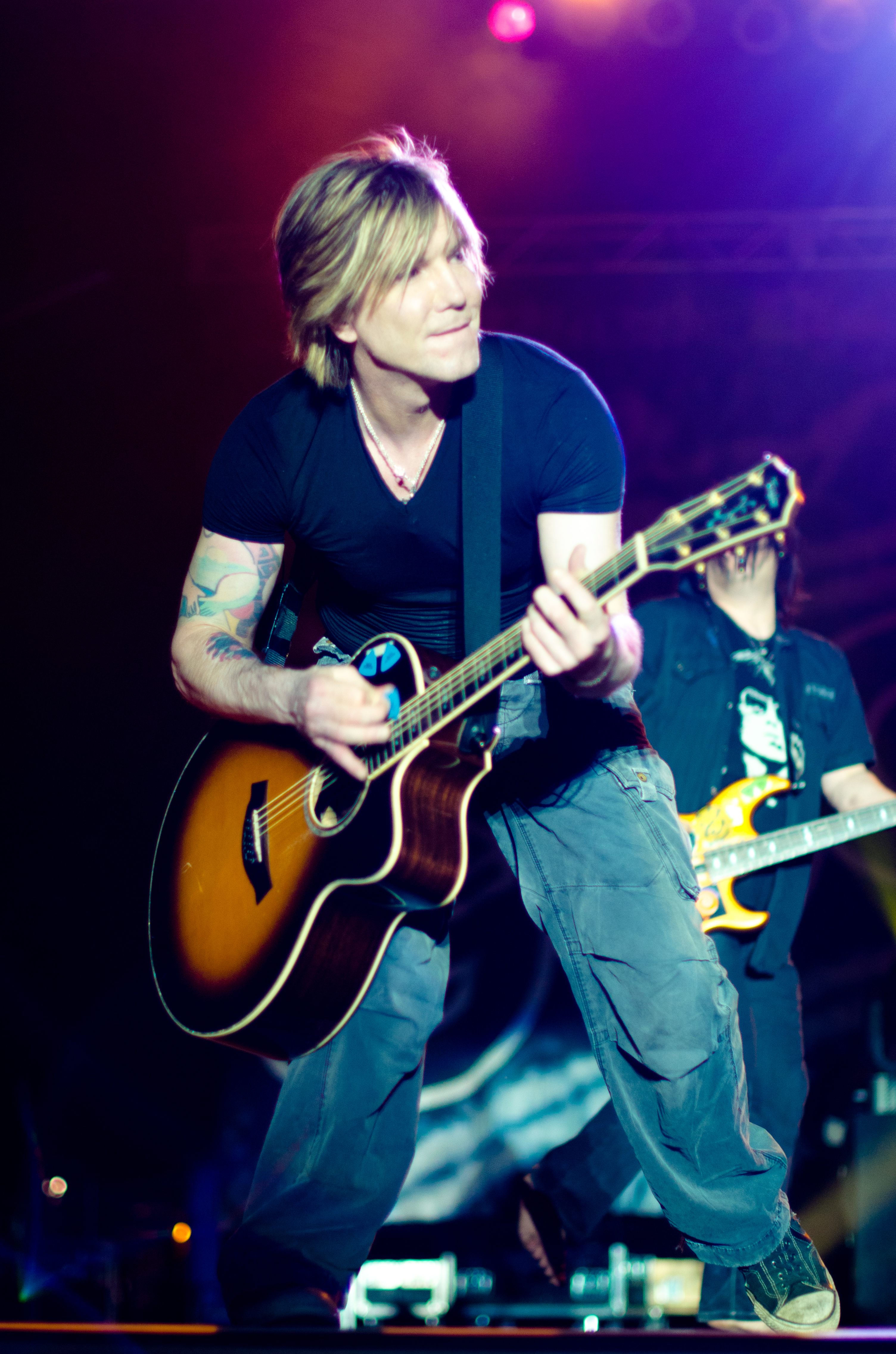 The 52-year old son of father Joseph Rzeznik and mother Edith  John Rzeznik in 2018 photo. John Rzeznik earned a  million dollar salary - leaving the net worth at 14 million in 2018