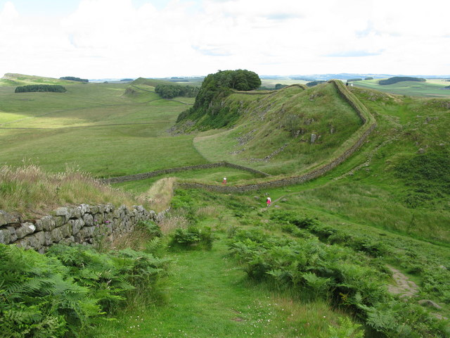 Hadrian's Wall and Housesteads Crags - geograph.org.uk - 1410595