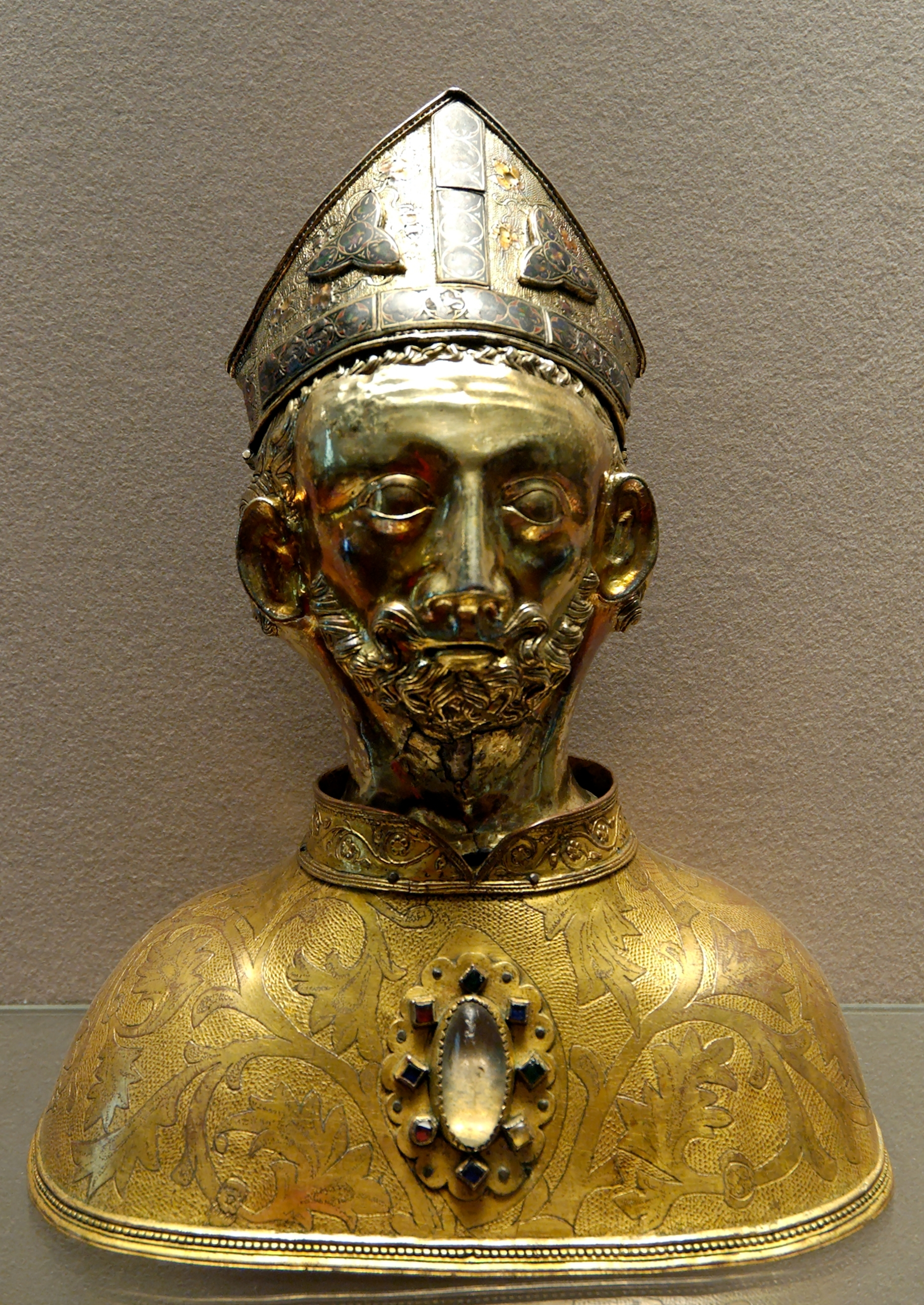 https://upload.wikimedia.org/wikipedia/commons/7/74/Head_reliquary_Martin_Louvre_OA6459.jpg