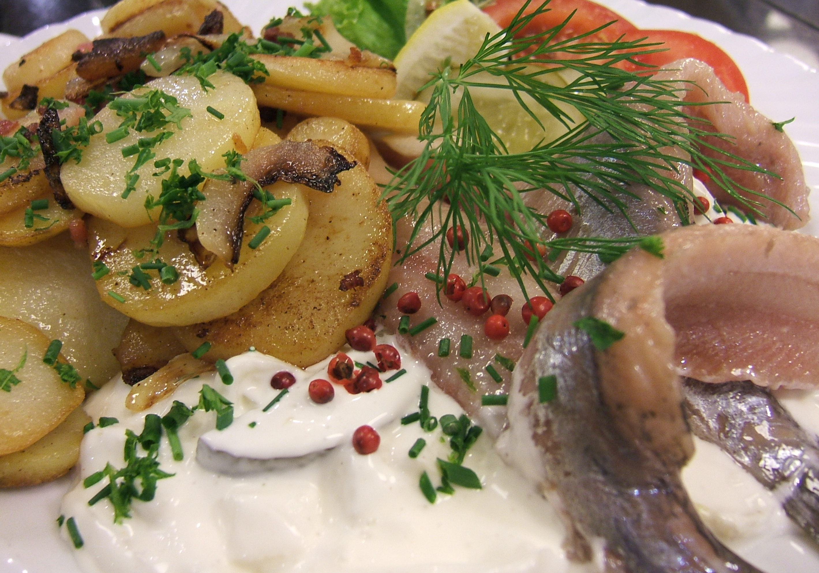 File Herring With Sour Cream And Onion And Fried Potato Jpg