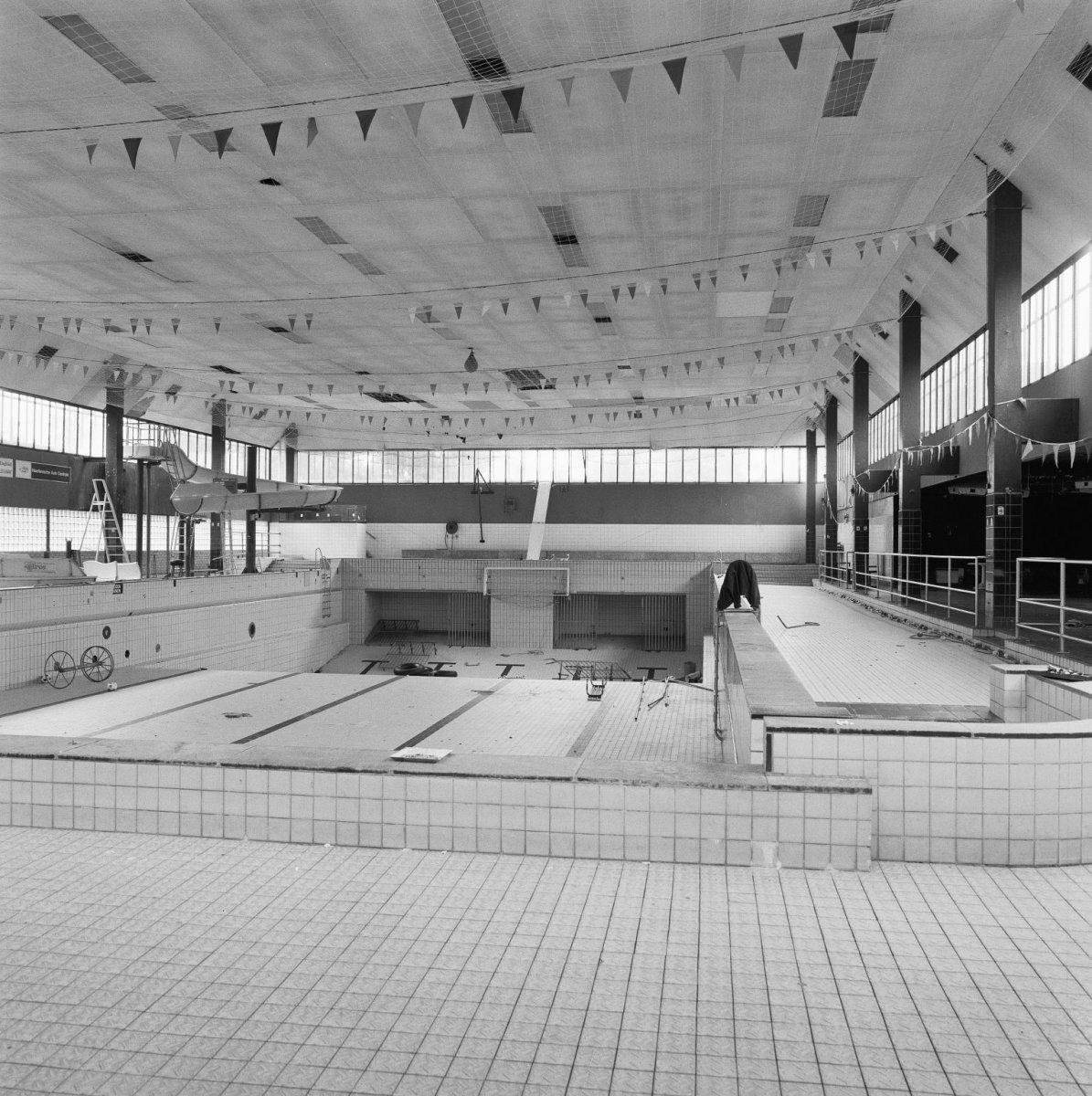 file interieur overzicht zwembad haarlem 20279637