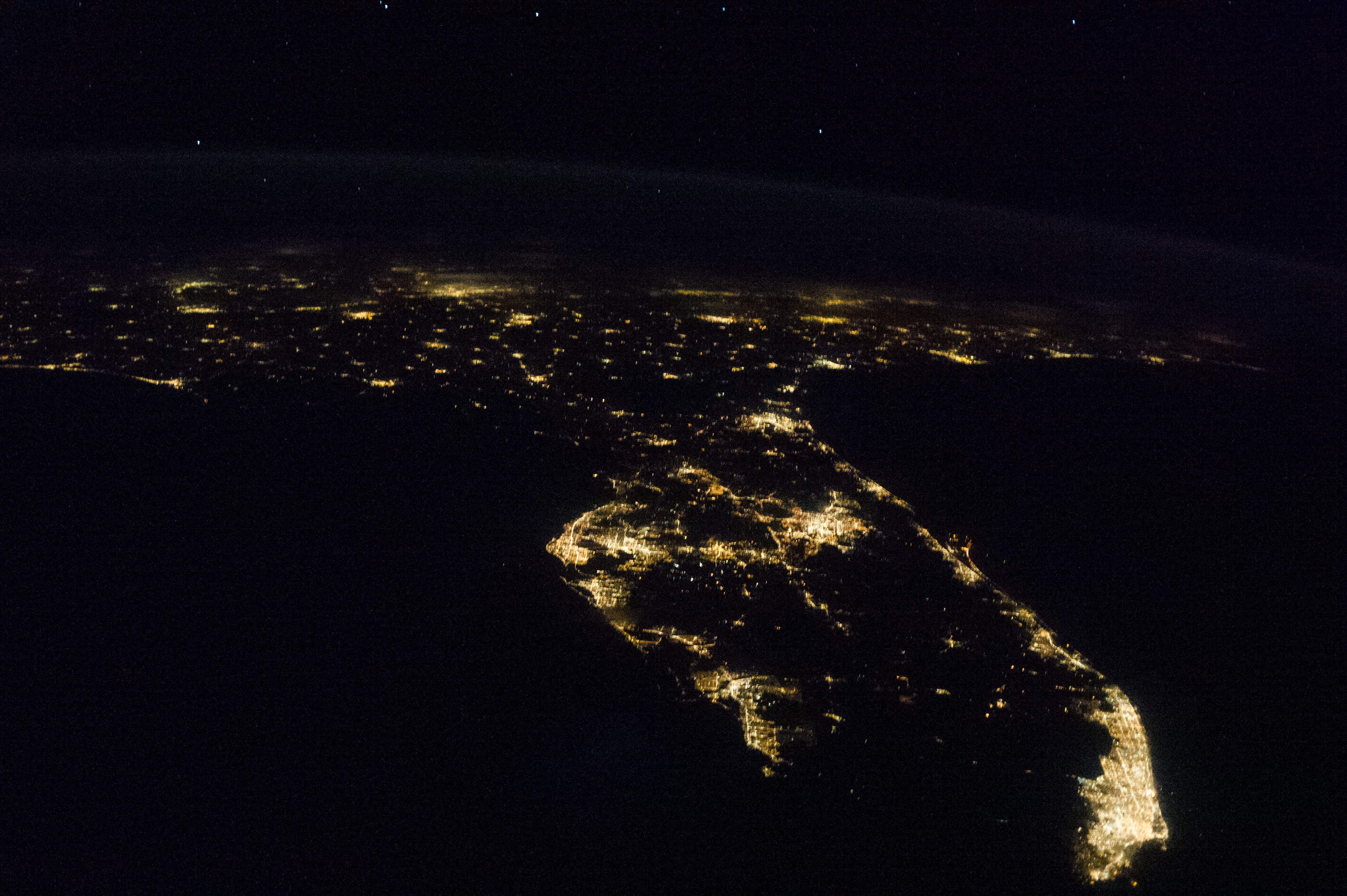 ISS-36_Nocturnal_image_of_Florida_and_pa