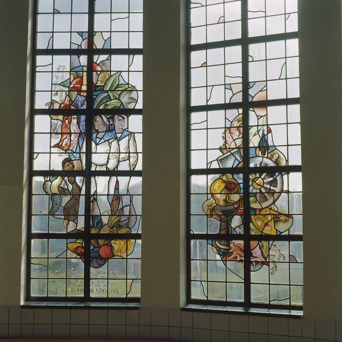 File interieur trappenhuis glas in loodraam egmond aan for Interieur appartement aan zee