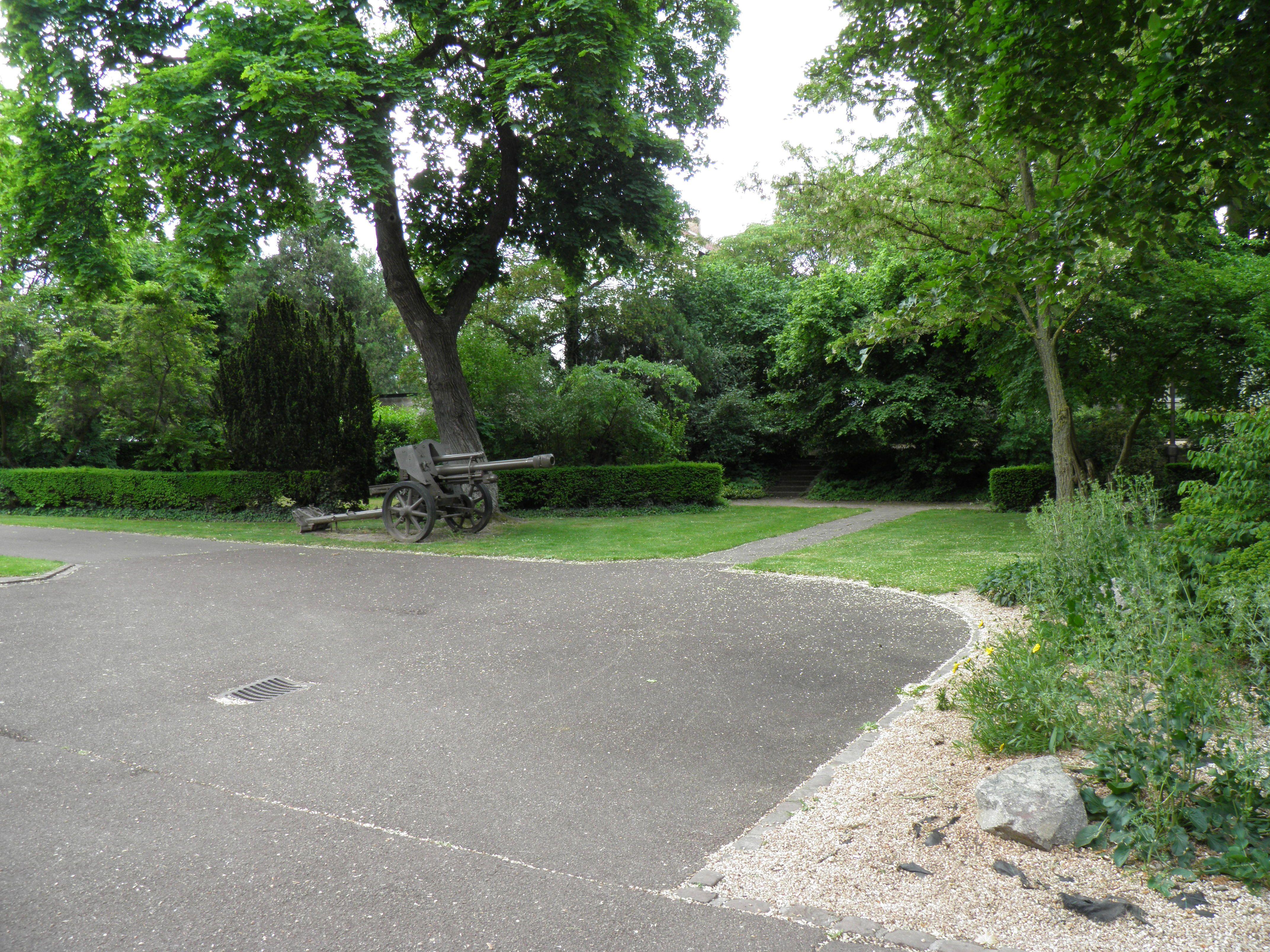 File Jardin du souvenir fran§ais Colmar 2 JPG Wikimedia mons