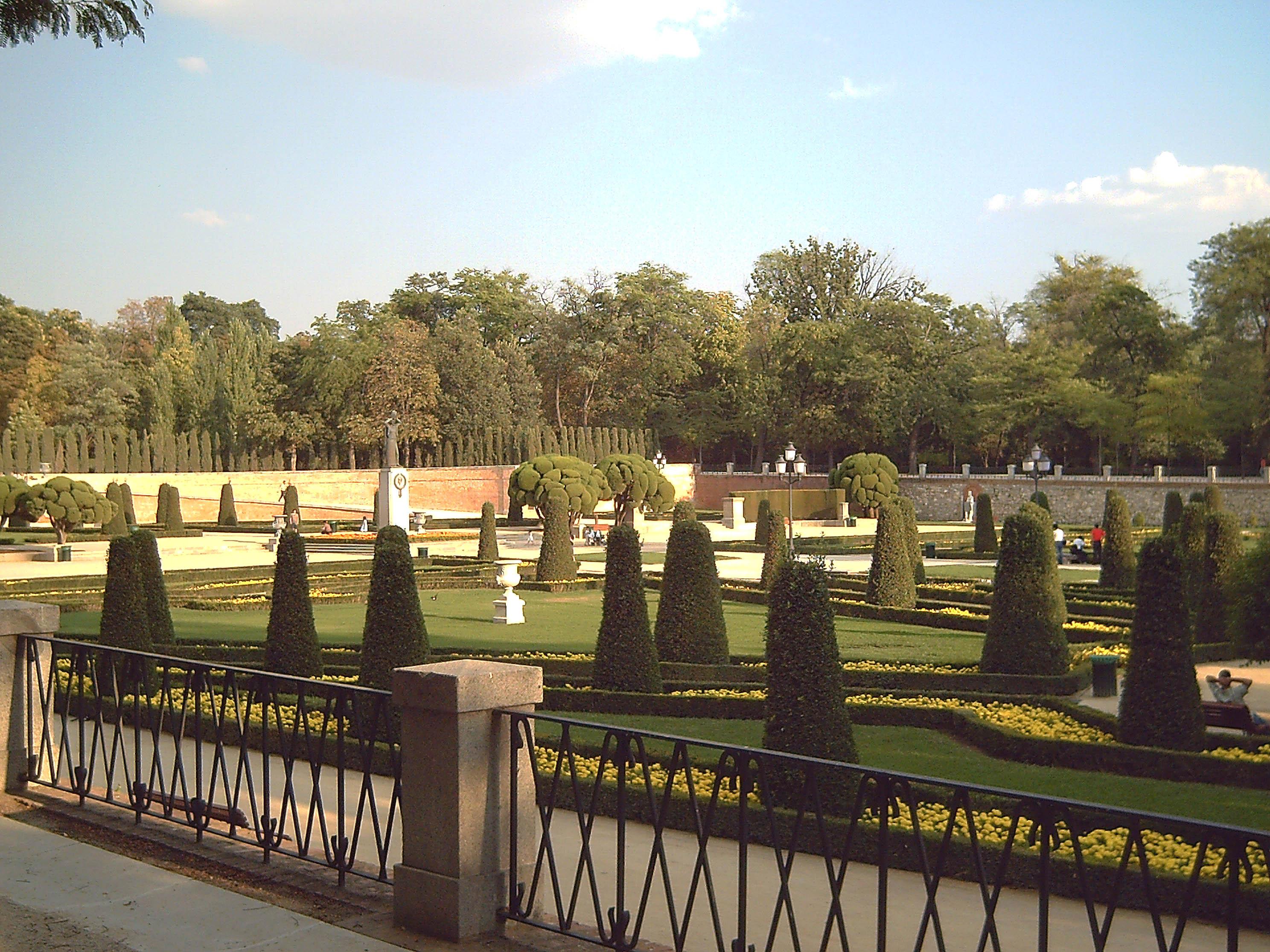 Archivo Jardines Del Buen Retiro Parterre Madrid 01 Jpg Wikipedia La Enciclopedia Libre