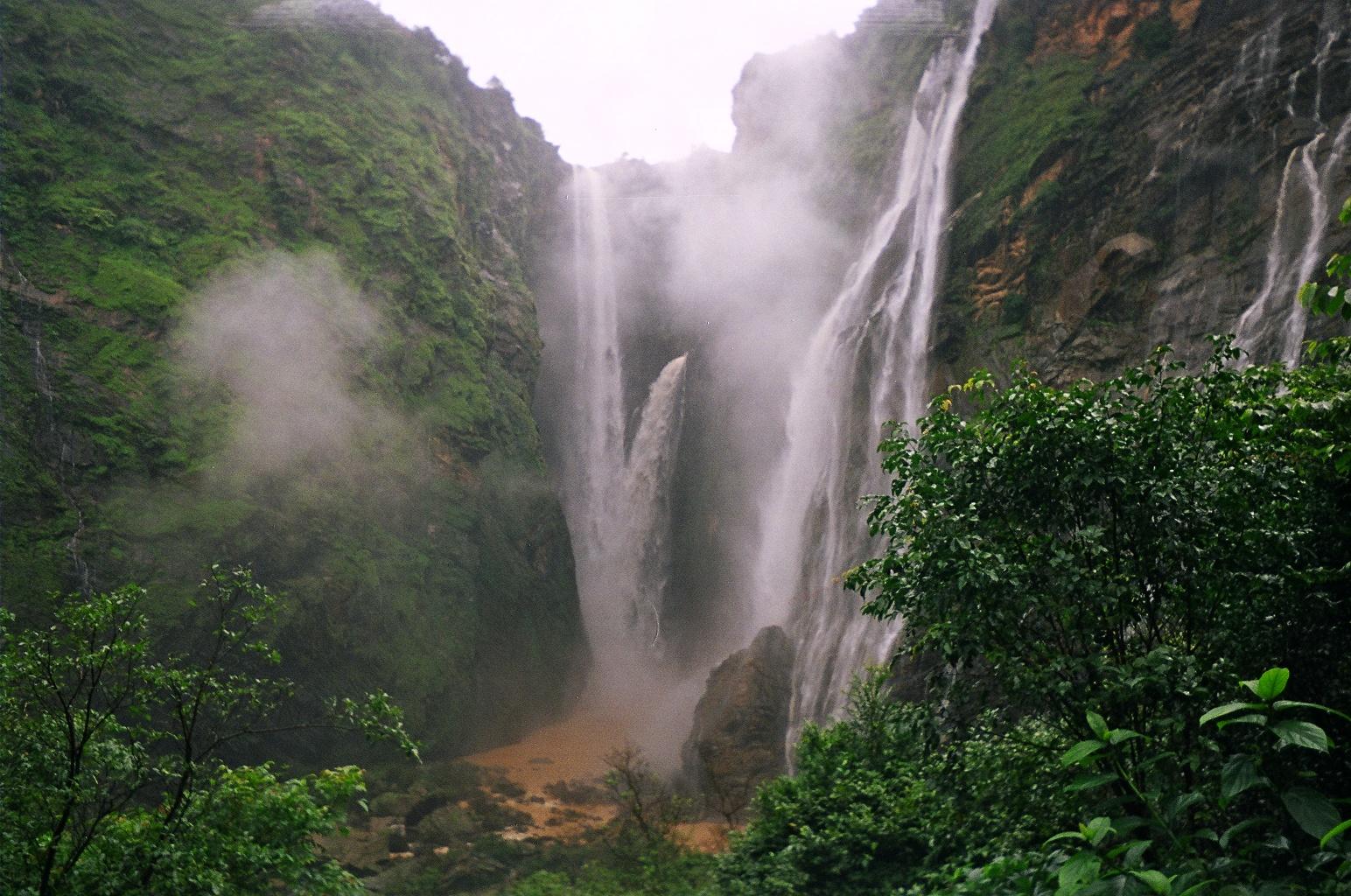 Image credit: http://upload.wikimedia.org/wikipedia/commons/7/74/JogFallsFromBelow1.JPG